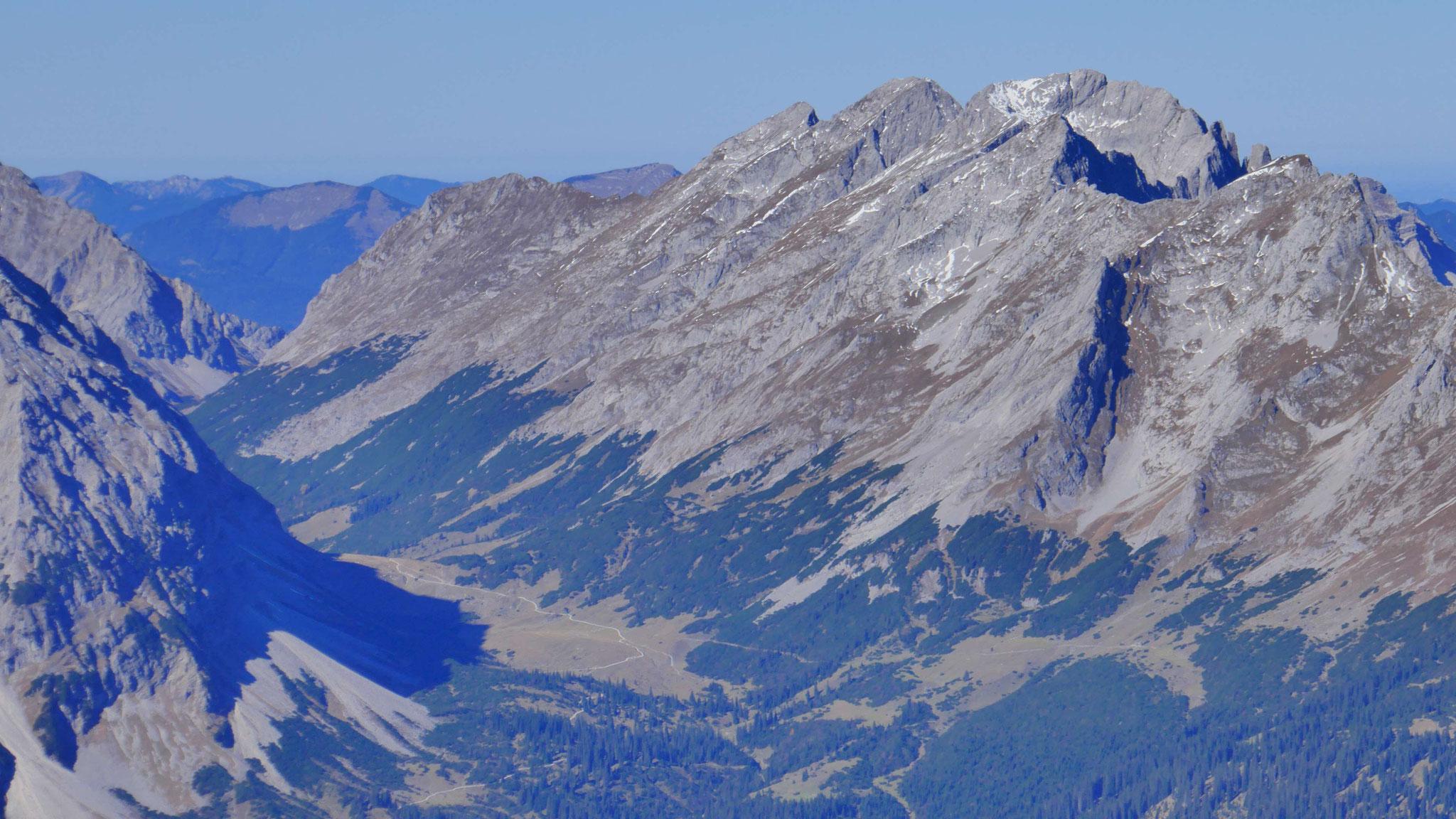 Nördliche Karwendelkette mit Östlicher Karwendelspitze
