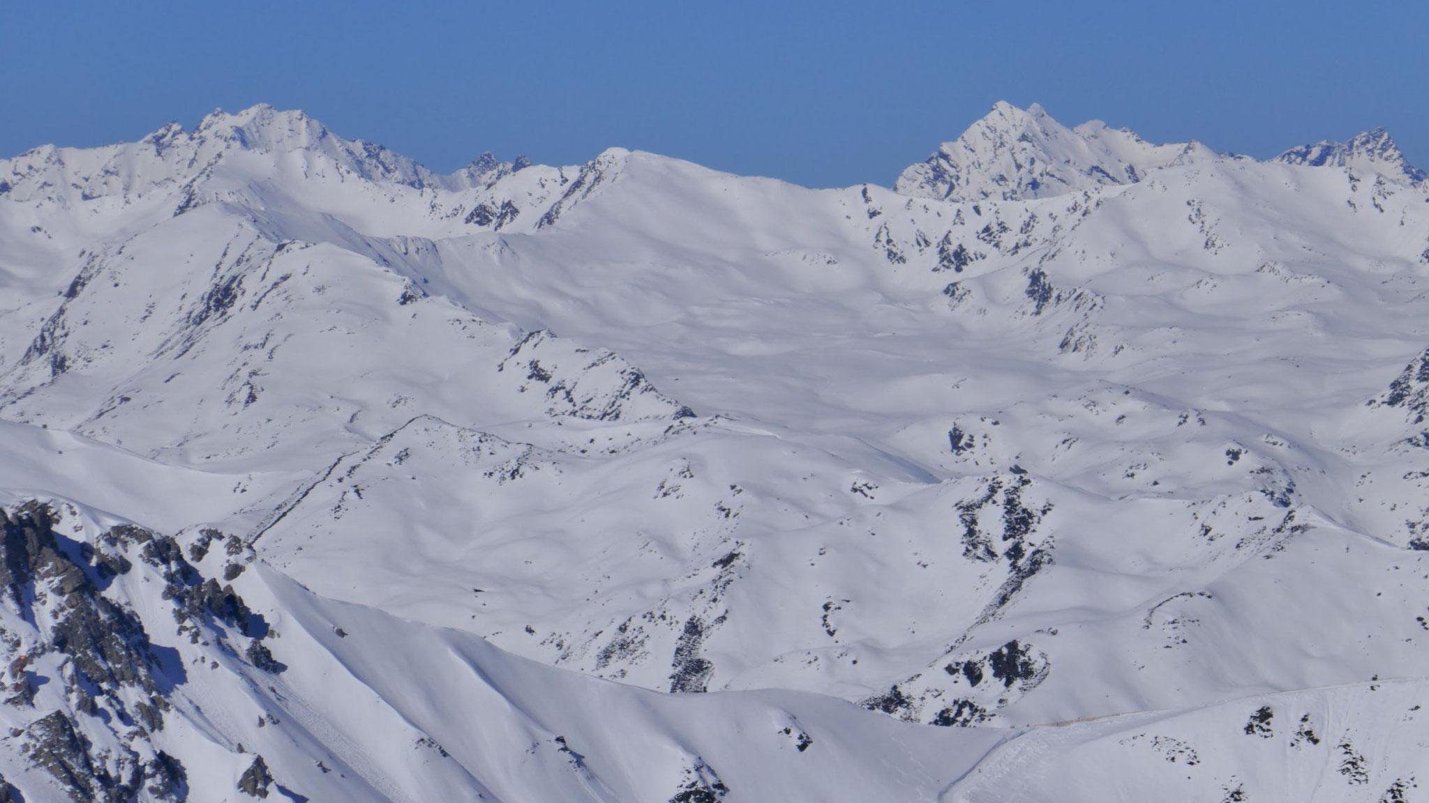 Im Westen die Sellrainer Berge rund um den Roten Kogel
