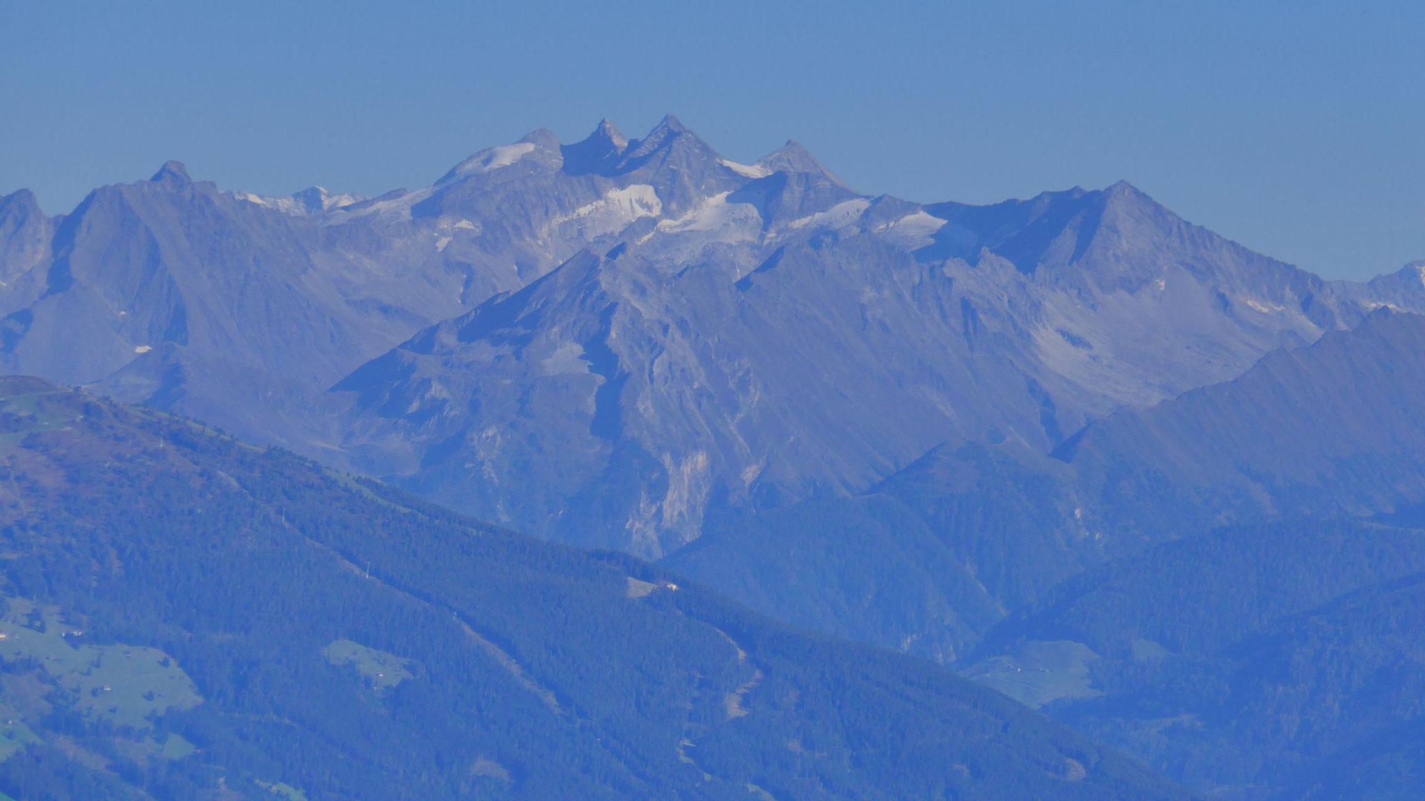 Zoom auf Gabler, Reichenspitze, Wildgerlosspitze und Kuchelmooskopf