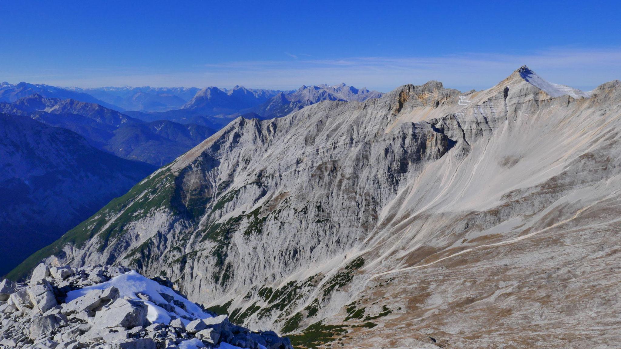 Gr. Ödkar, dahinter Spitzhüttengrat und Gr. Seekarspitze