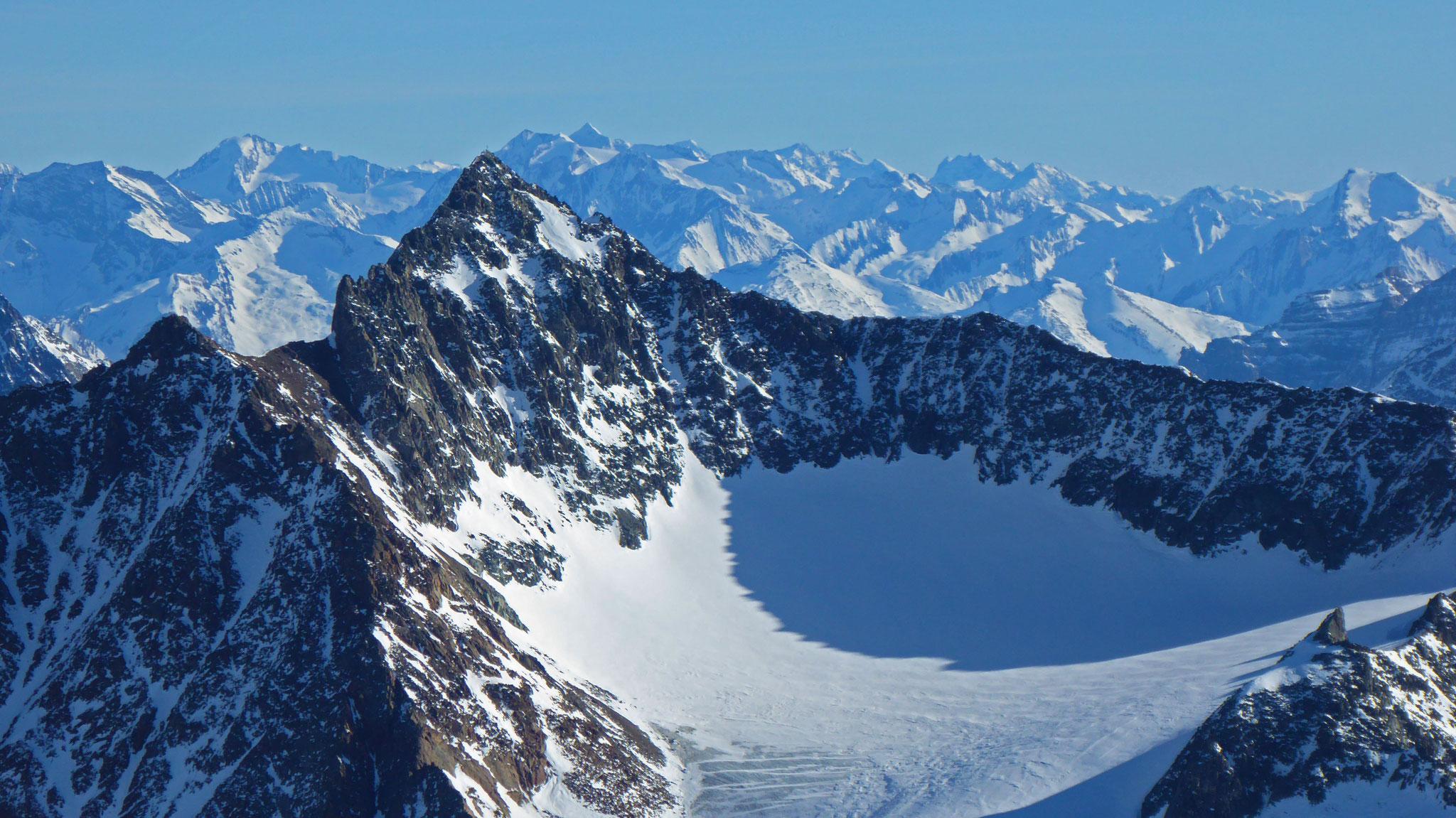 Ruderhofspitze mit Alpeiner Ferner, dahinter Hochfeiler