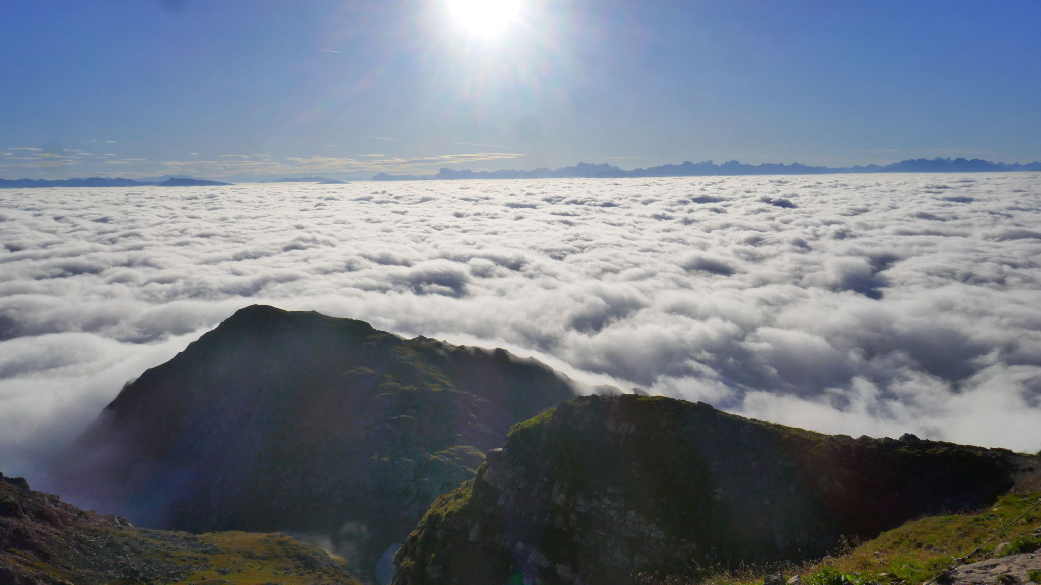 Am östlichen Horizont die Dolomiten