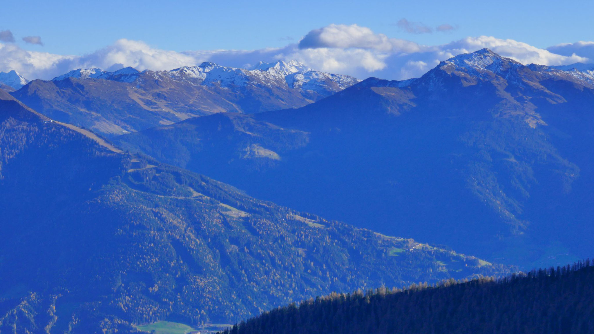 Skigebiet Kellerjoch, dahinter Rastkogel und Gilfert