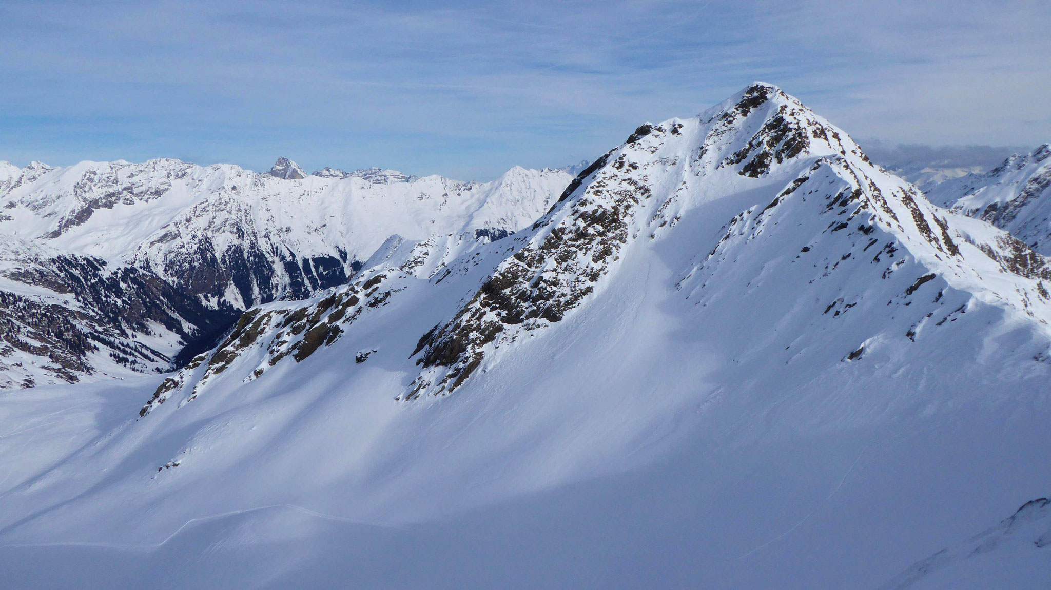 Blick vom namenlosen zum anderen namenlosen Gipfel