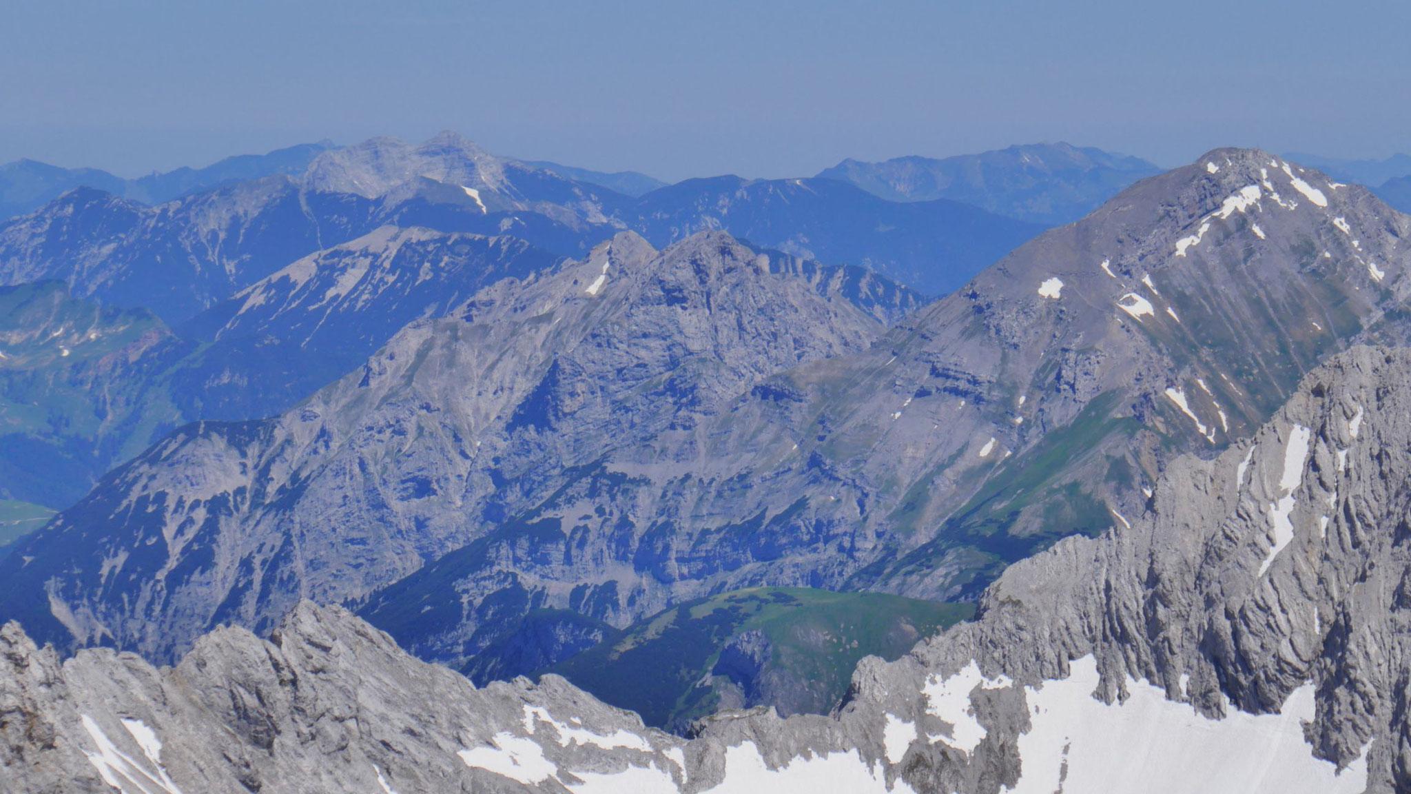 Sonnjoch, Schaufelspitze, Bettlerkarspitze, Guffert (v.r.n.l.)