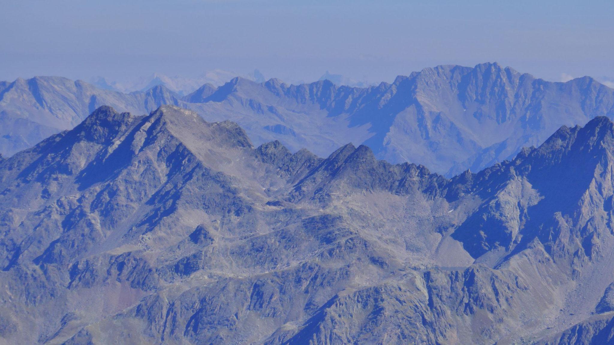 Links Brockkogel, rechts Zwieselbacher Rosskogel, mittig die höchsten Karwendler