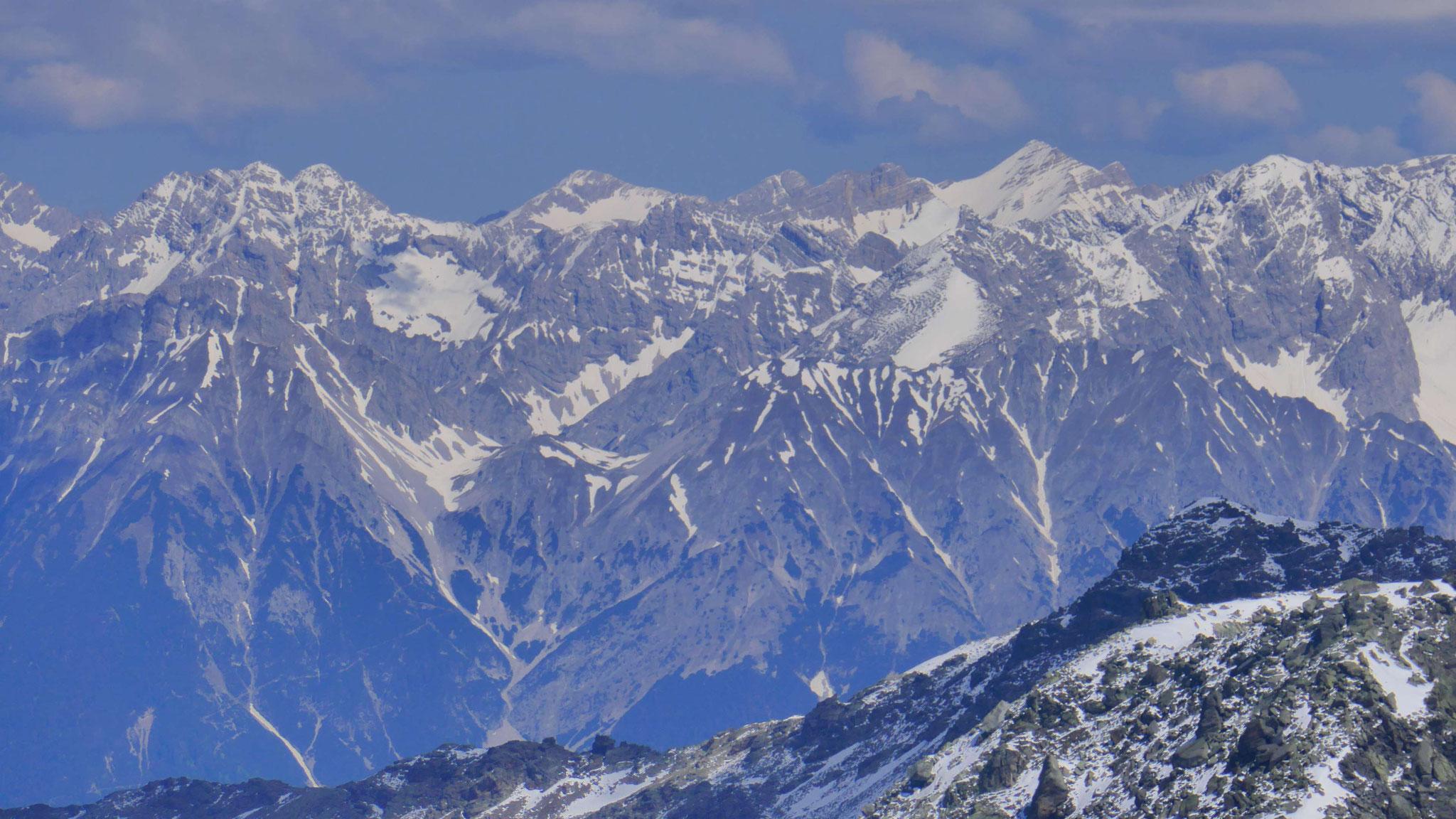 Sonnenspitze vor Karwendel