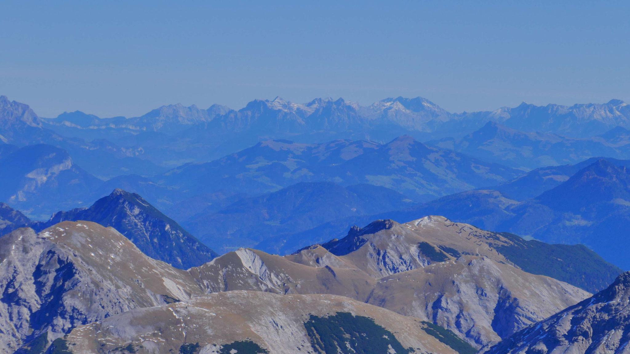 Stanserjoch-Kamm, dahinter Kitzbüheler Alpen, Watzmann und Steinberge