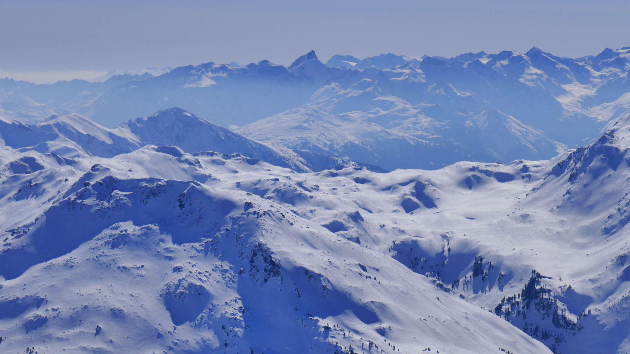 Mölser Berg, dahinter Tribulaune