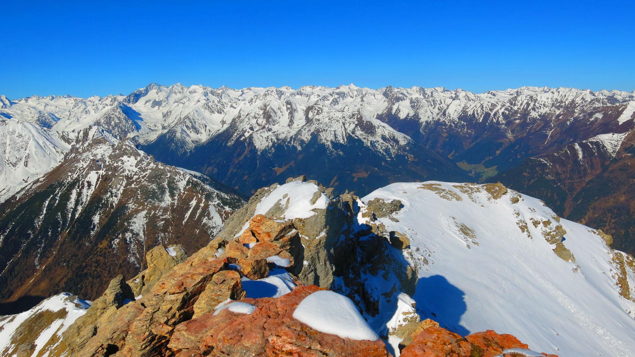 Stubaier mit Alpeiner Bergen