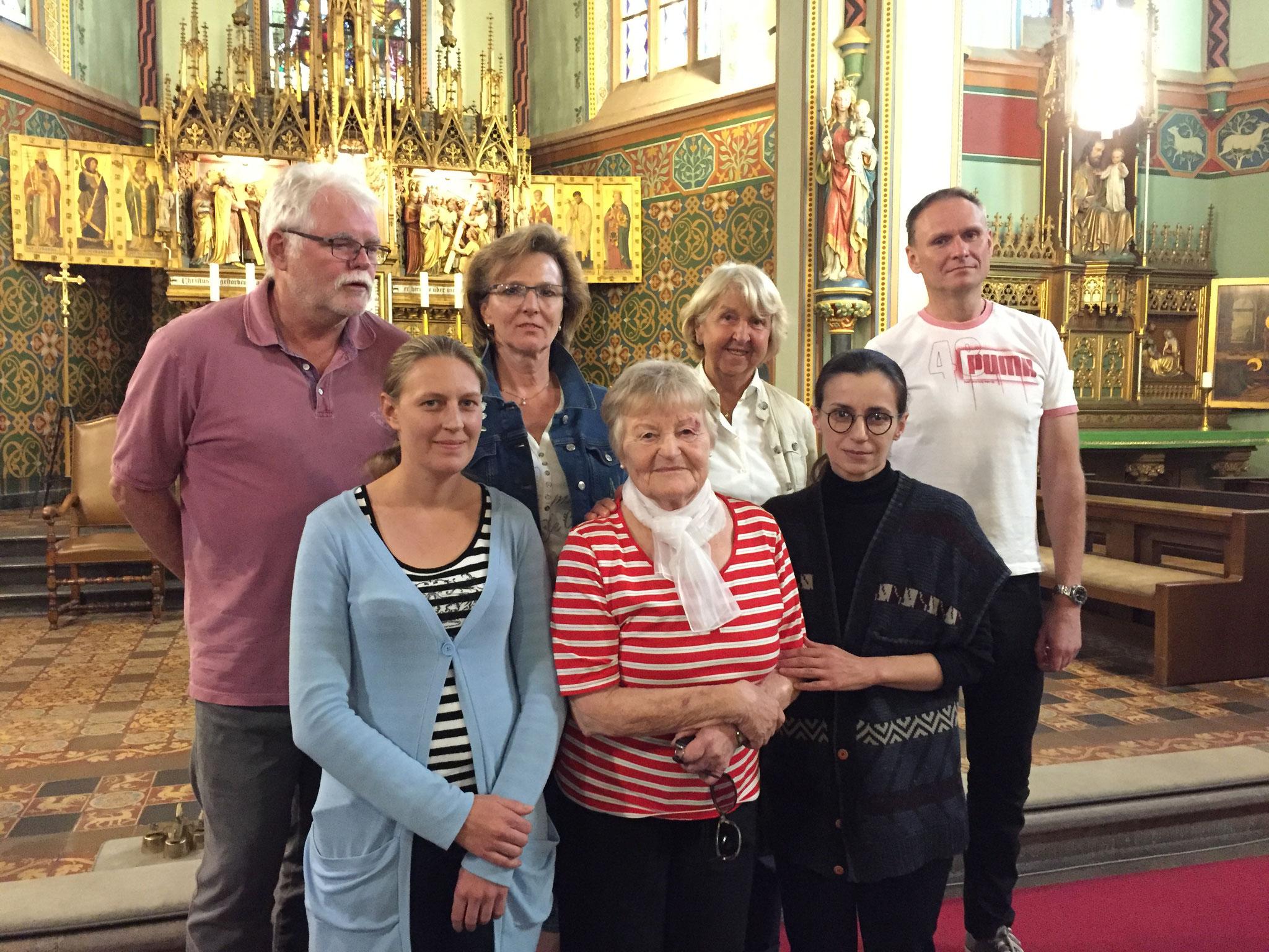 Für den Erhalt der mehr als 1300 Jahre alten Heilig-Kreuz-Kirche in Erkelenz-Keyenberg engagieren sich Ingo Bajerke (rechts) und seine Mitstreiter.