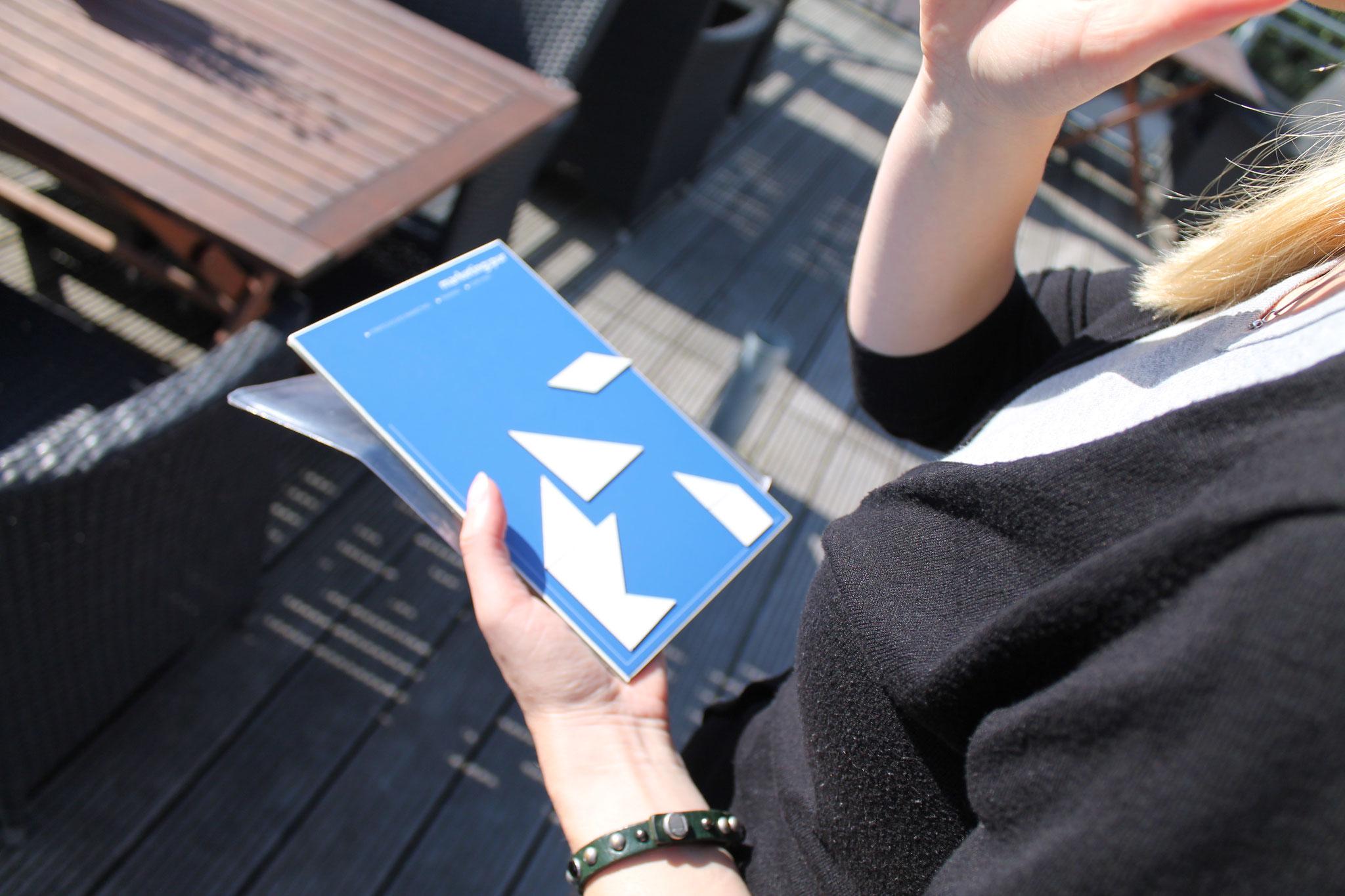 Tangram-Kommunikation: Das Bild wird serviert. Kommunikation nach Vier Seiten Modeel bringt weitere Erkenntnisse als einfache Zweierübung - ICEBREAKER oder SartUp