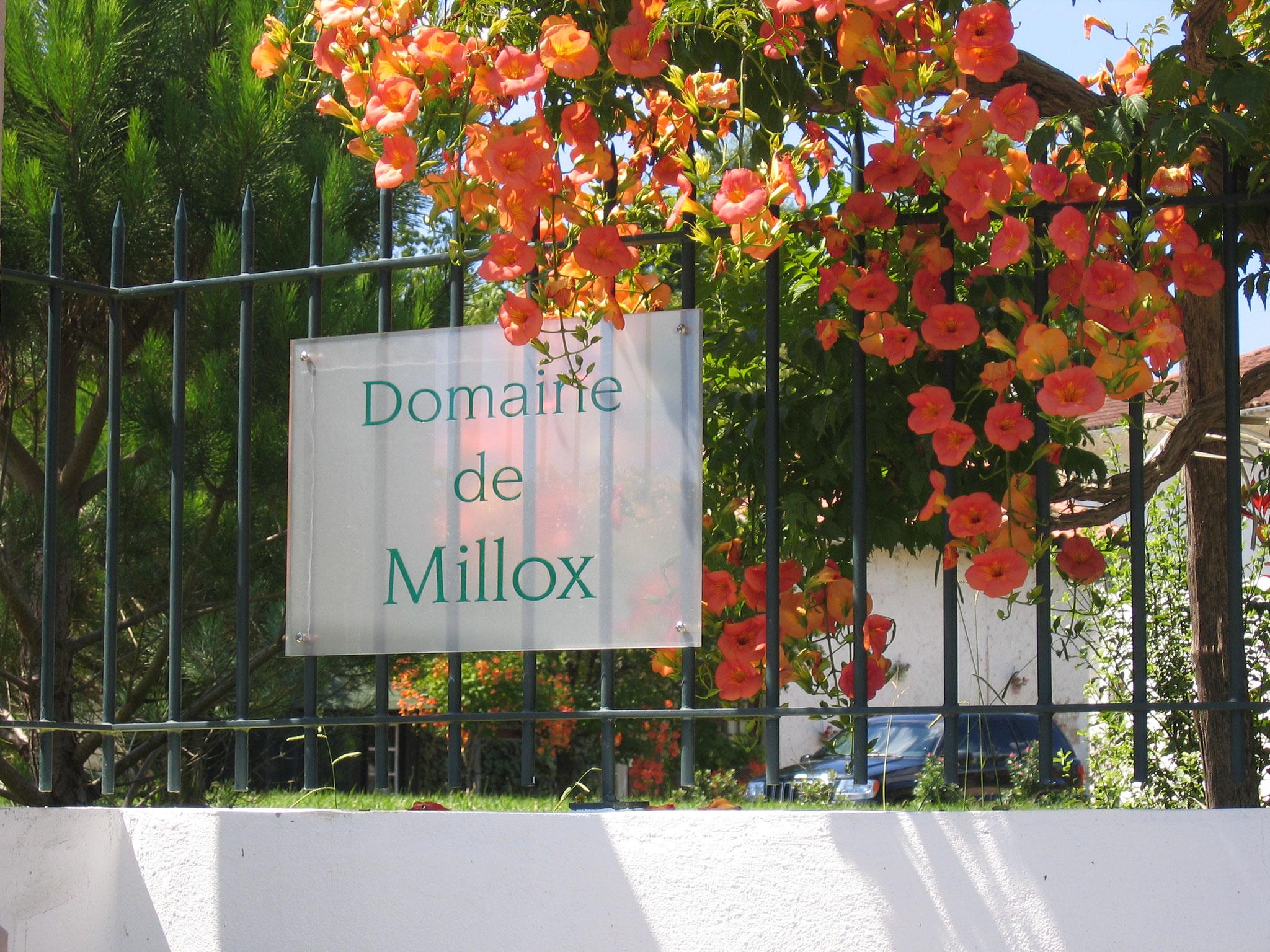 domaine de Millox, l'enseigne