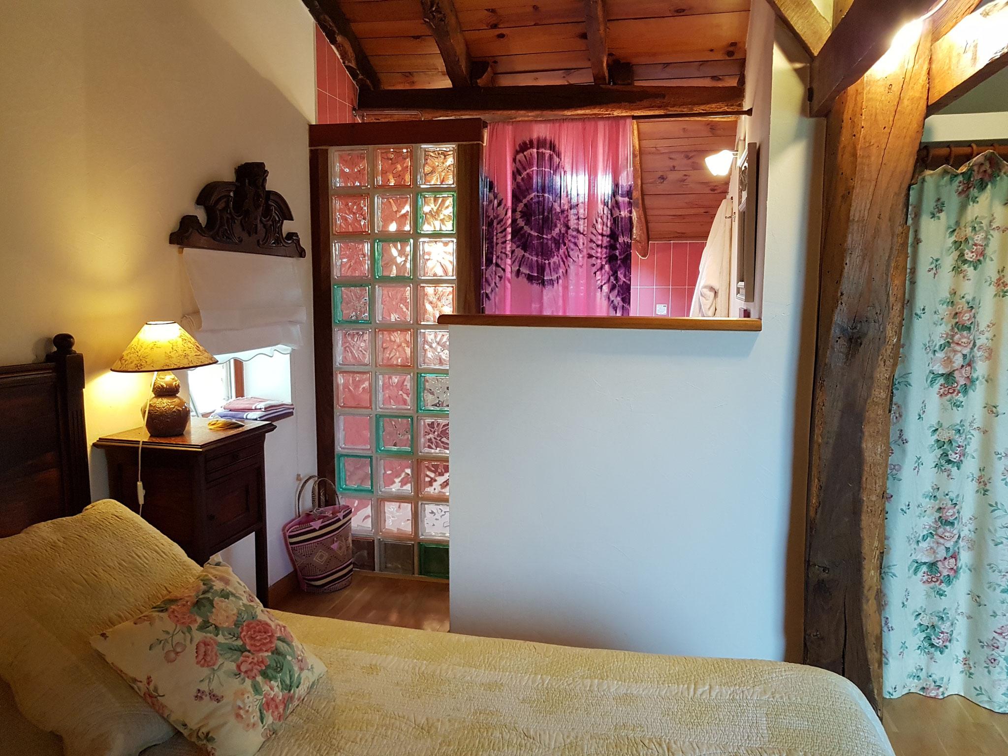 chambre Amarante aperçu salle de bains