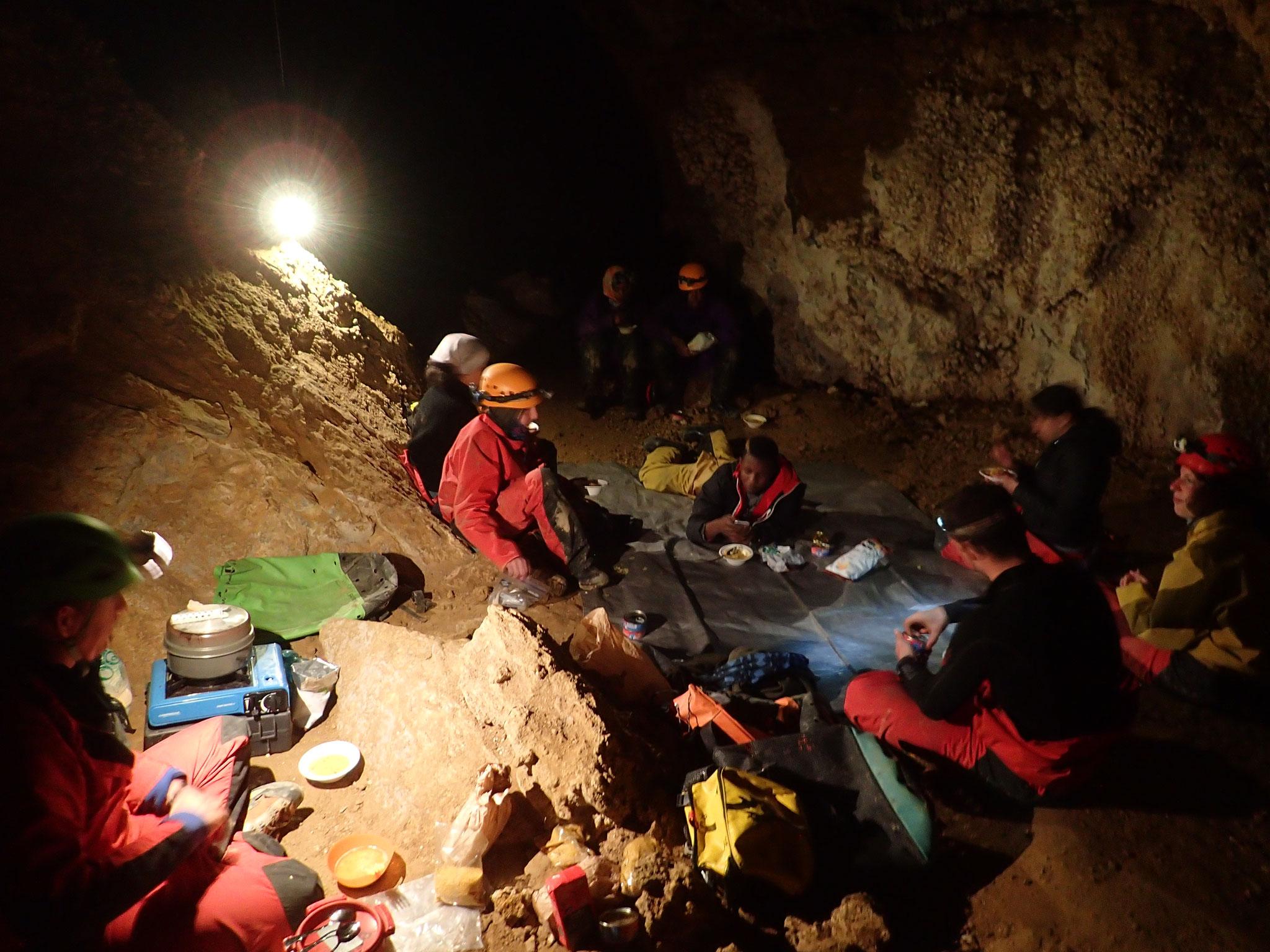 Dormir dans une grotte