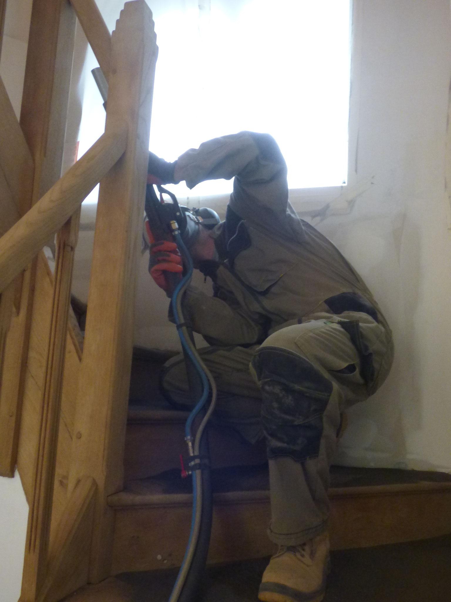 décapage escalier en chène