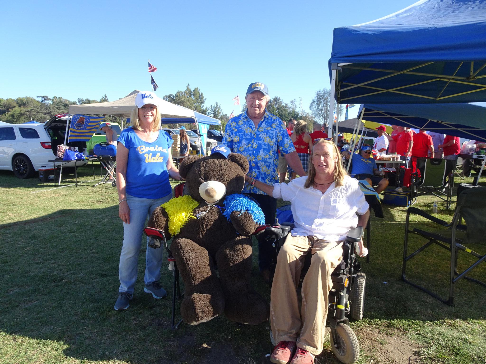 UCLA Fans : UCLA Bruins vs Bulldogs de Fresno State (2018/19)