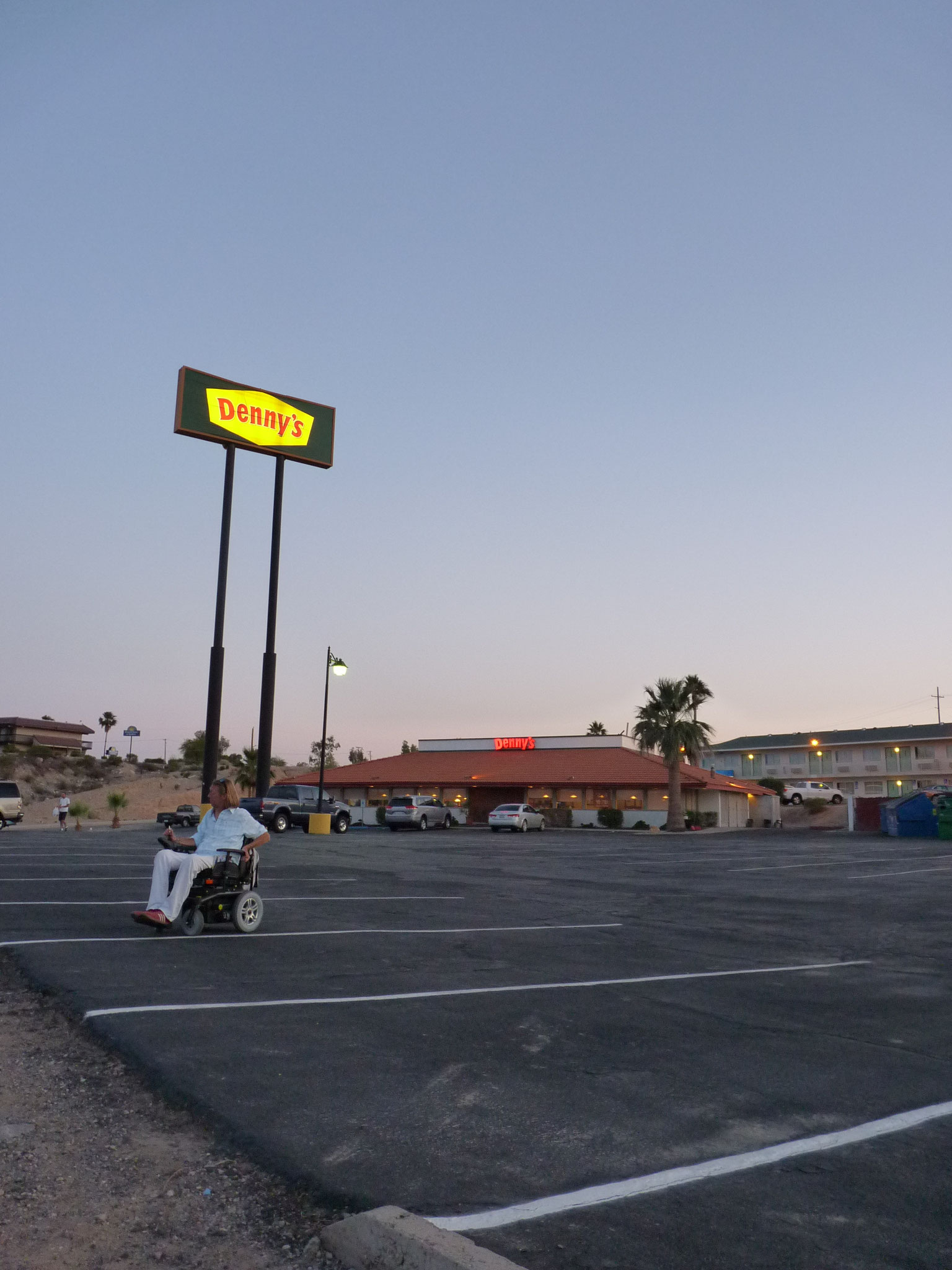 Denny's Parking de Needles