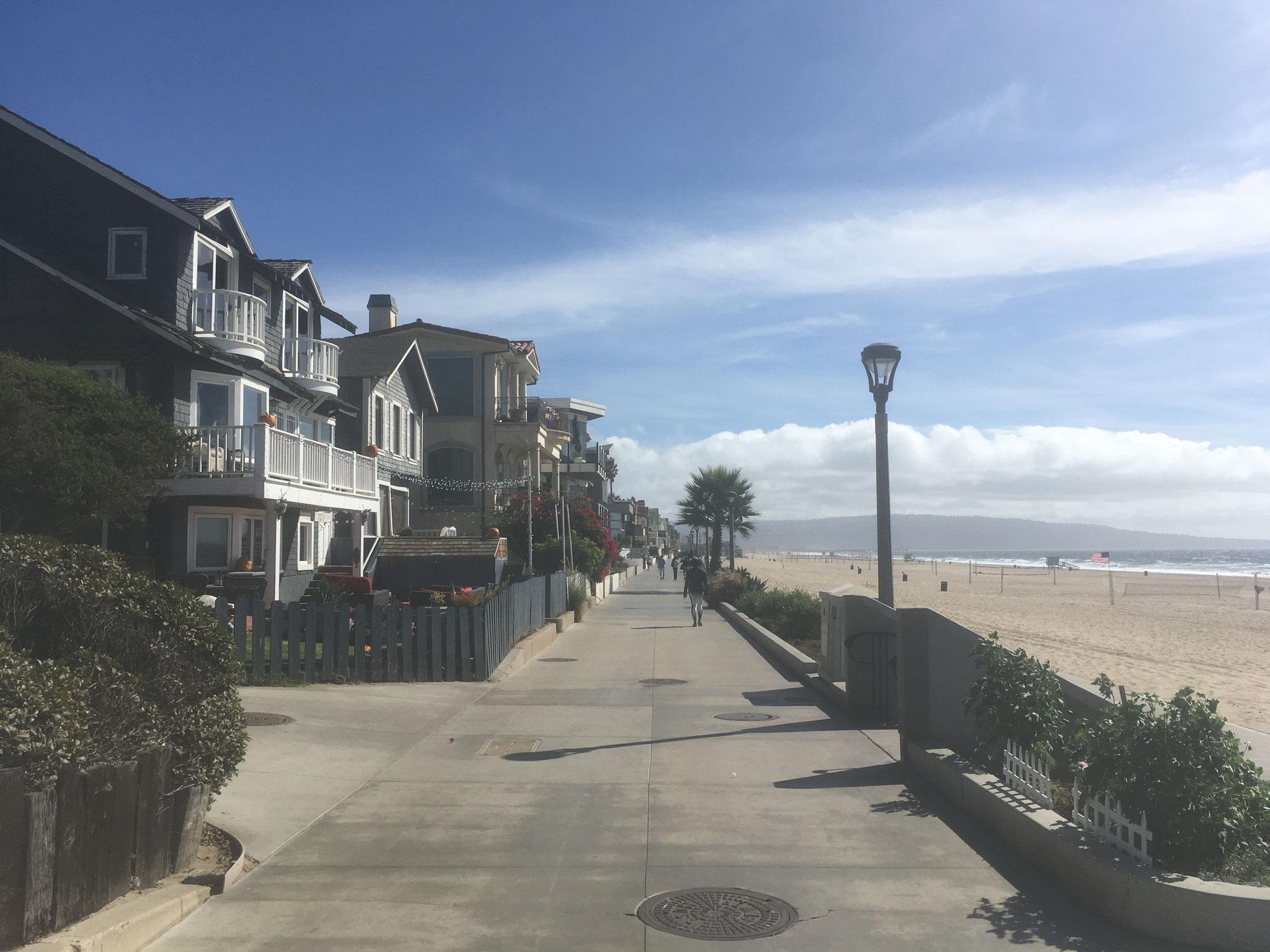promenade menant à Hermosa Beach