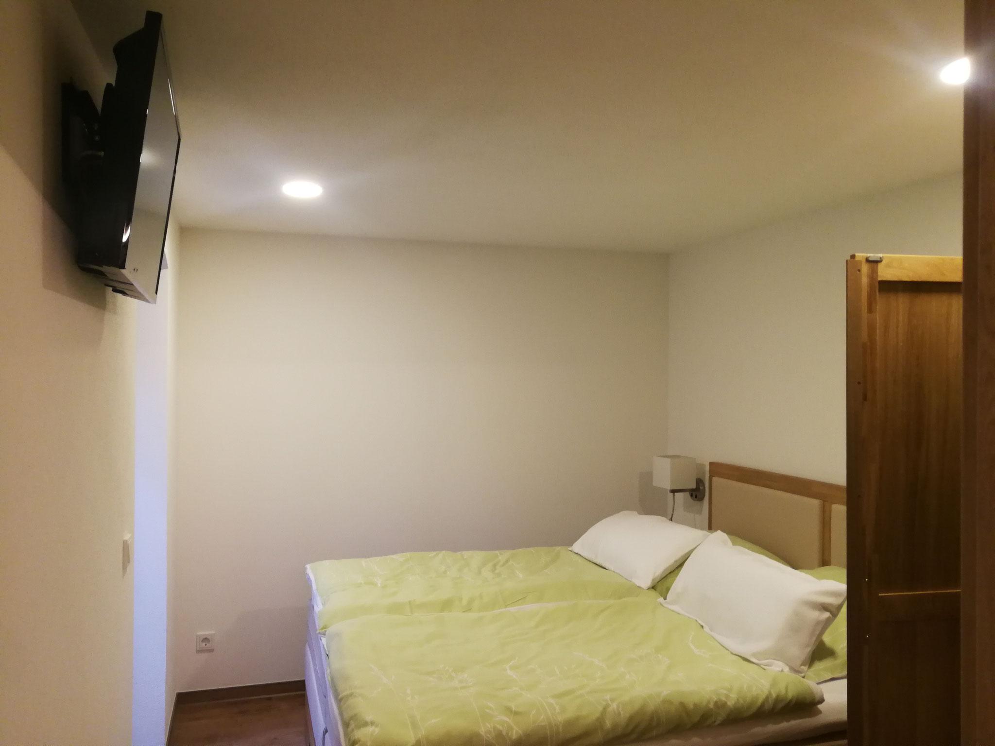 Ferienwohnung Wellness Schlafzimmer 1