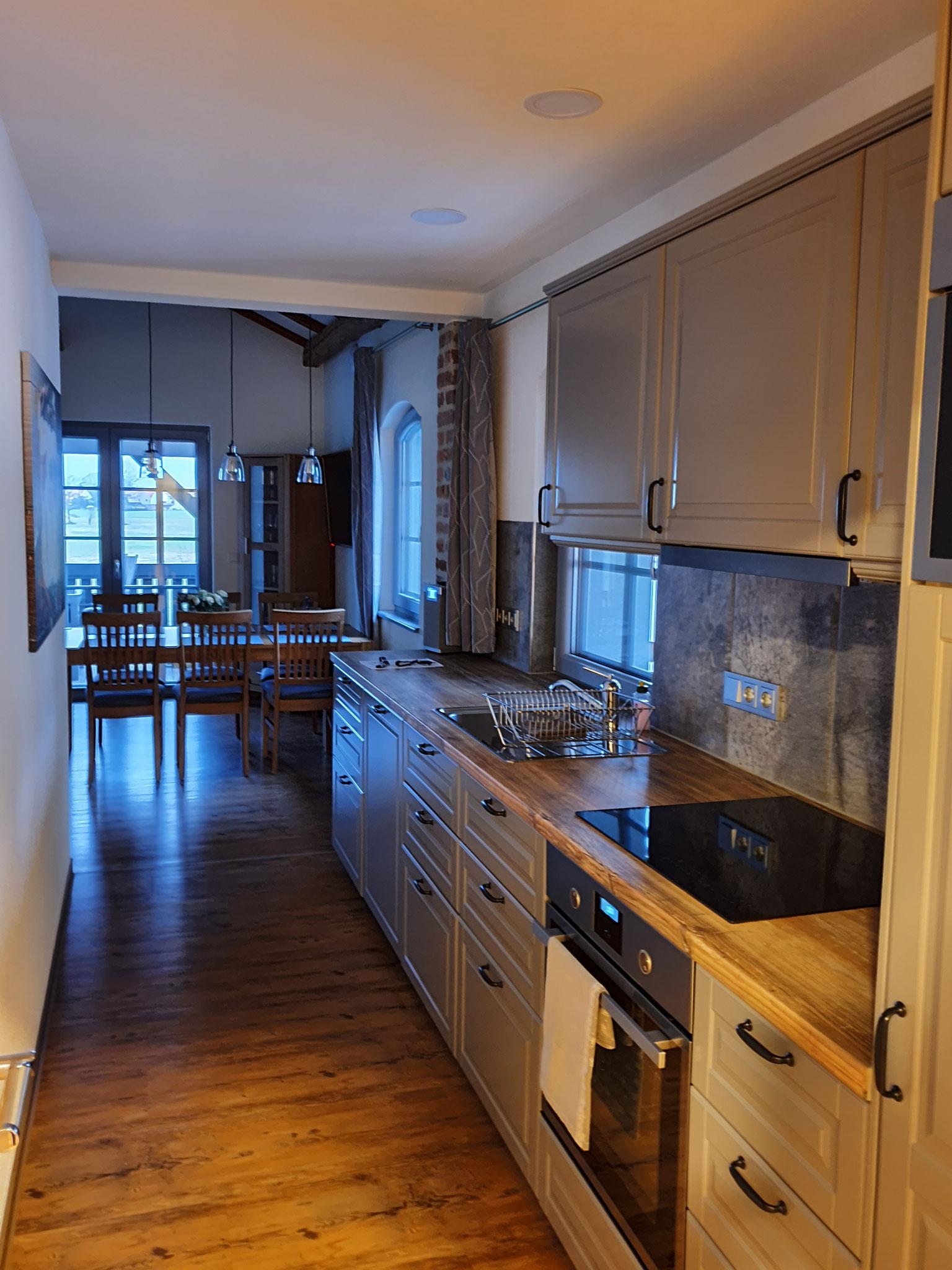FeWo Obergeschoss Blick in die Küche