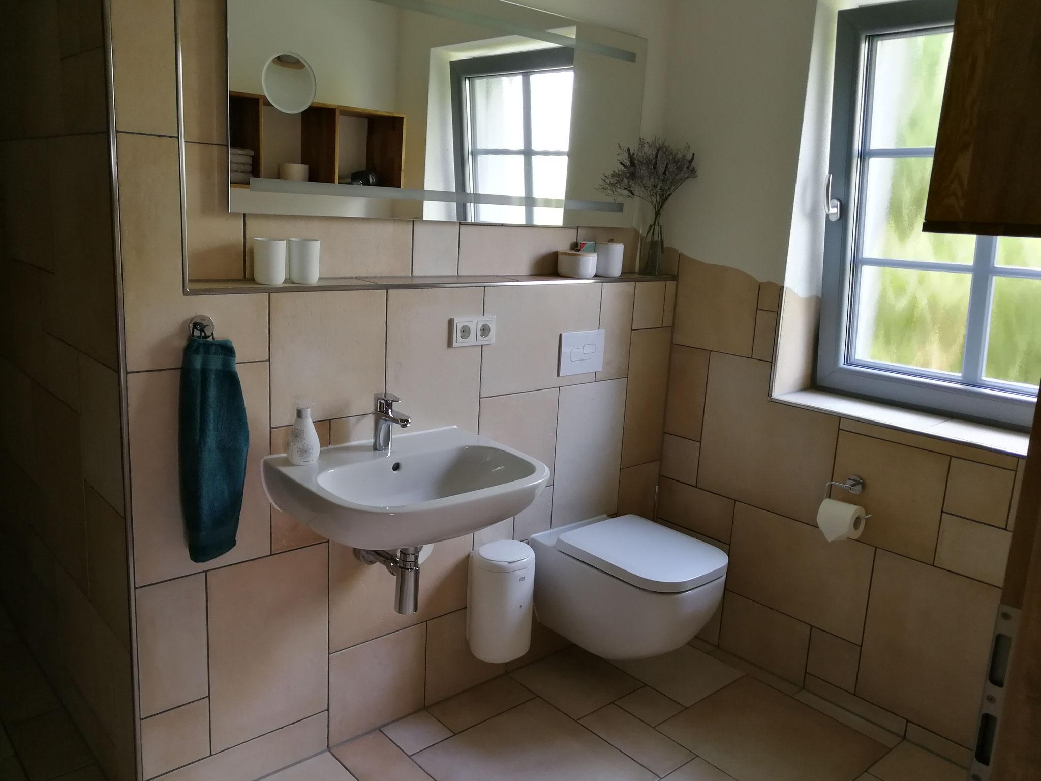 FeWo Obergeschoss Bad zum Schlafzimmer 1