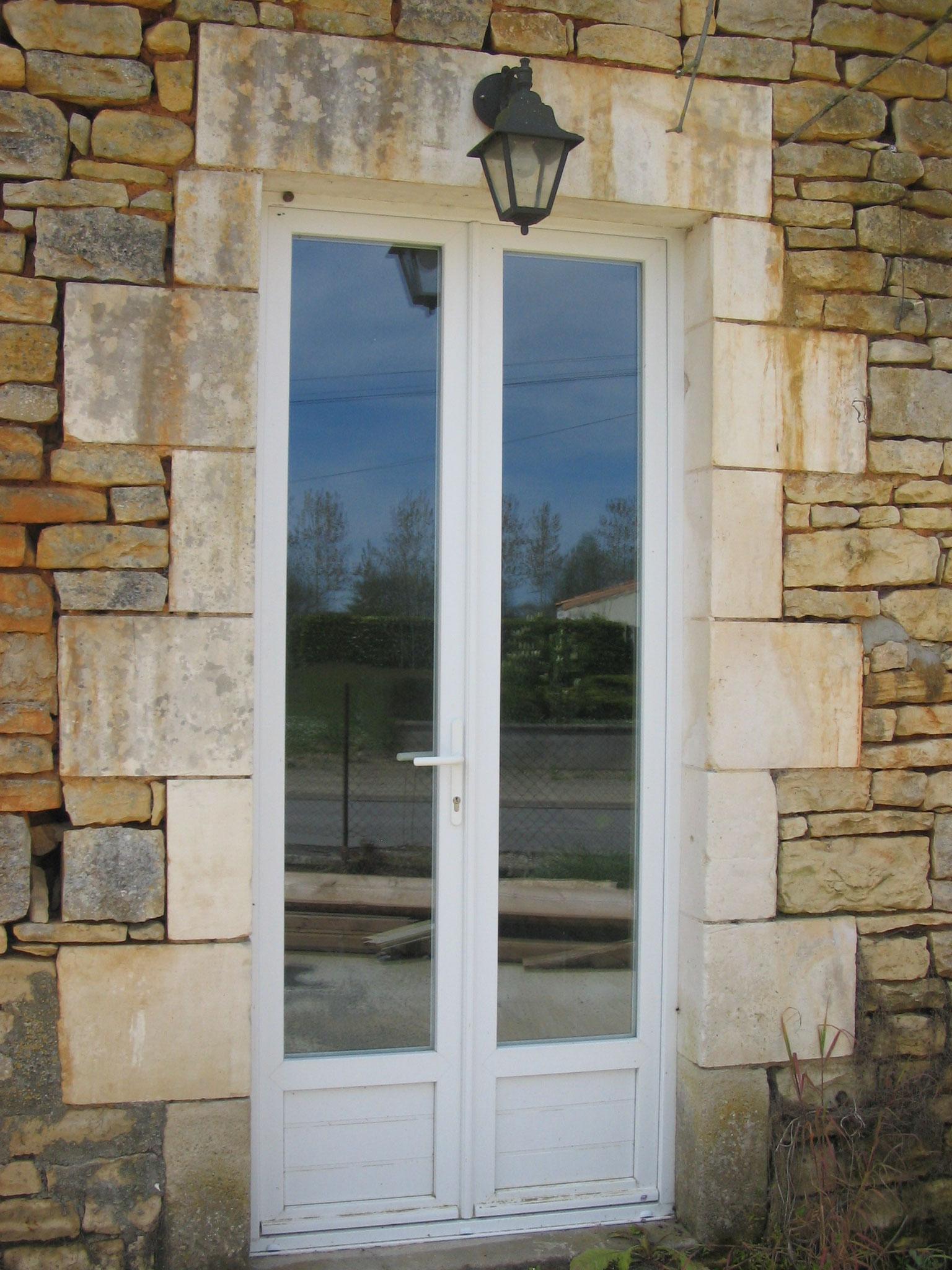 Porte fenêtre blanche