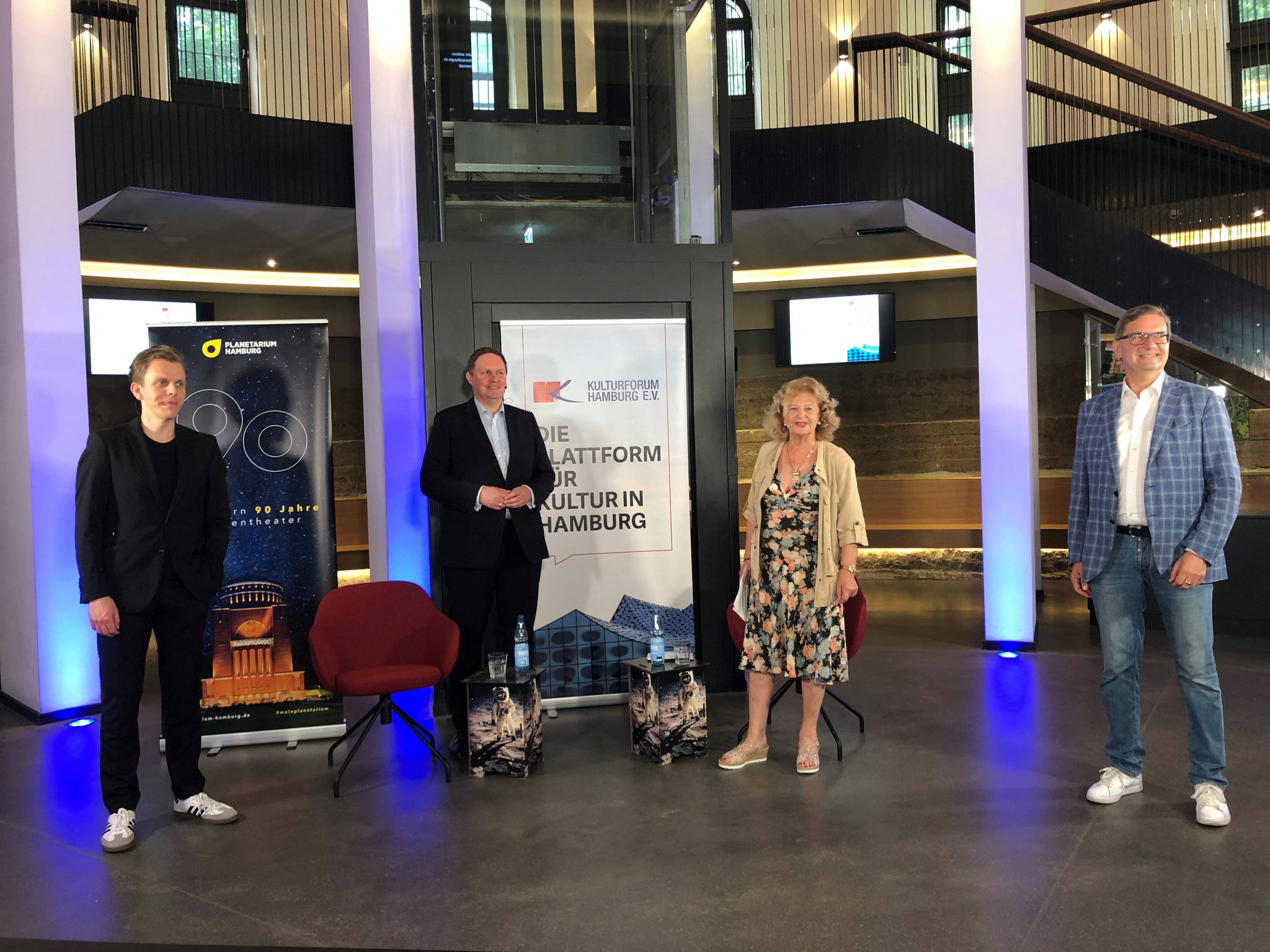 Kultur und Corona, Dr. Carsten Brosda beim Kulturforum Hamburg – Livestream aus dem Planetarium Hamburg, Juni 2020