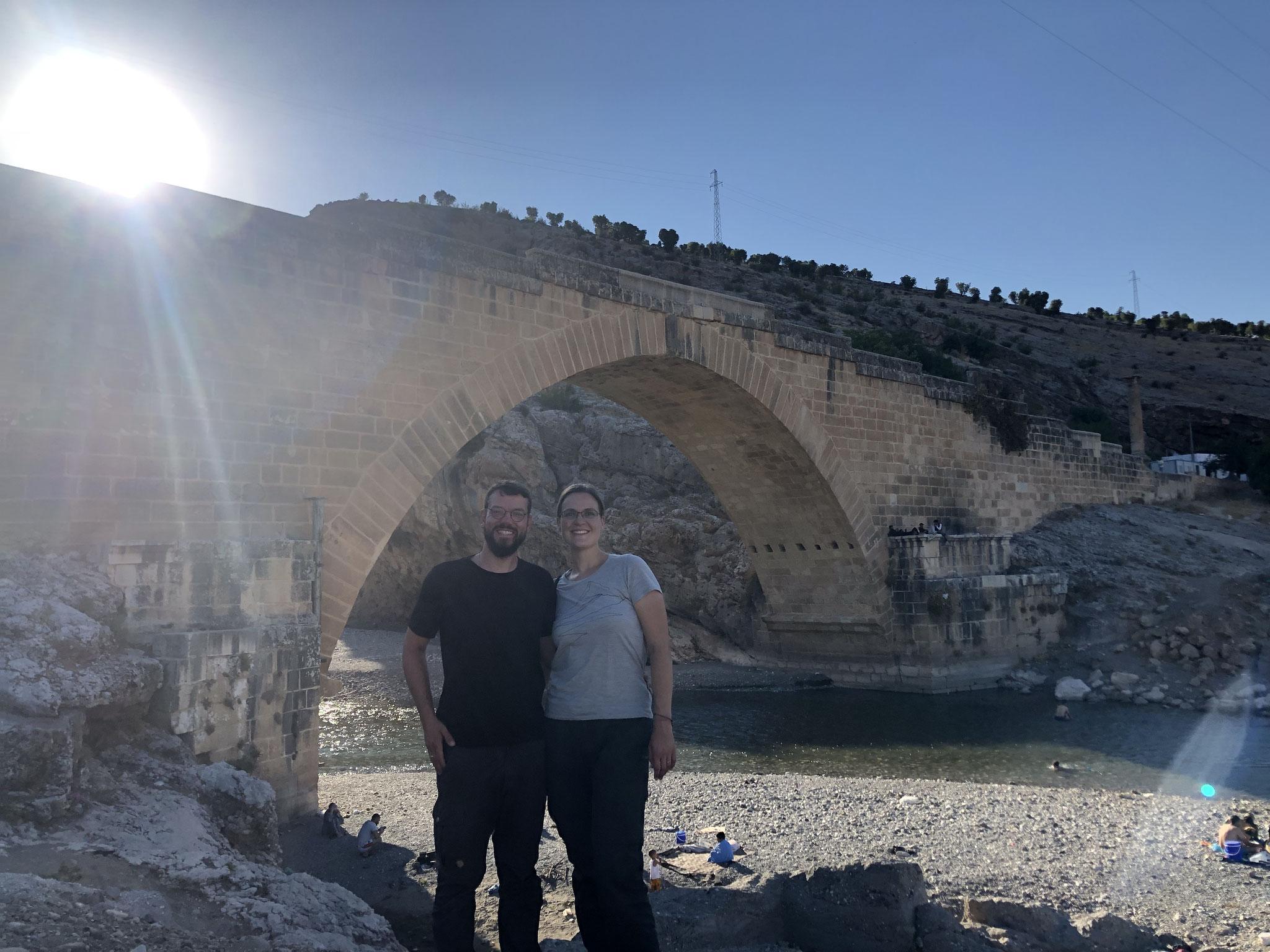Die Cendere-Brücke im Bezirk Adiyaman