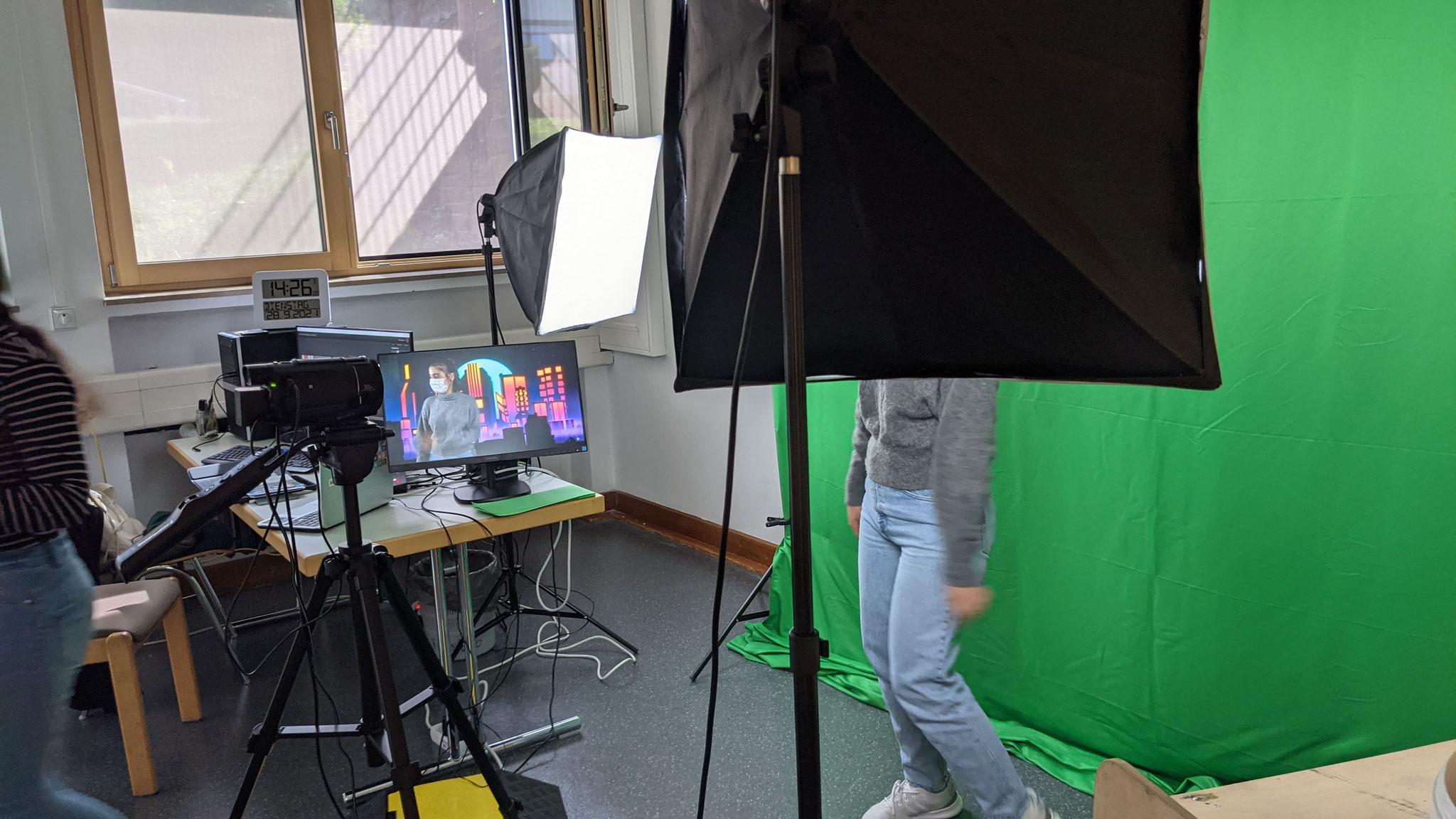 """""""Filmstudio"""" Im TausNEWS-Studio konnten die Schüler*innen den Greenscreen-Effekt erproben."""
