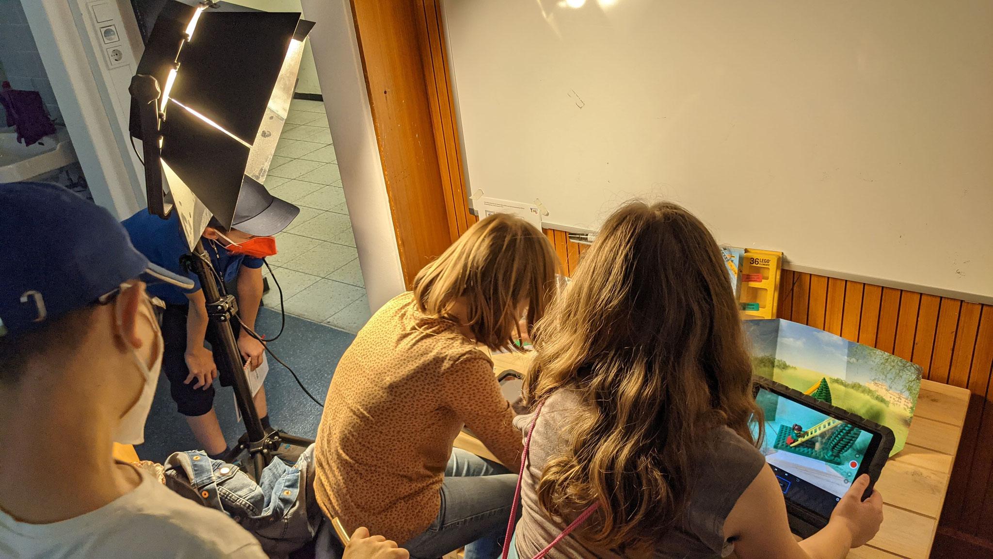 """""""Filmstudio"""" Mit einer App auf dem Schul-iPad erstellten die Kinder einen Stop-Motion Film."""