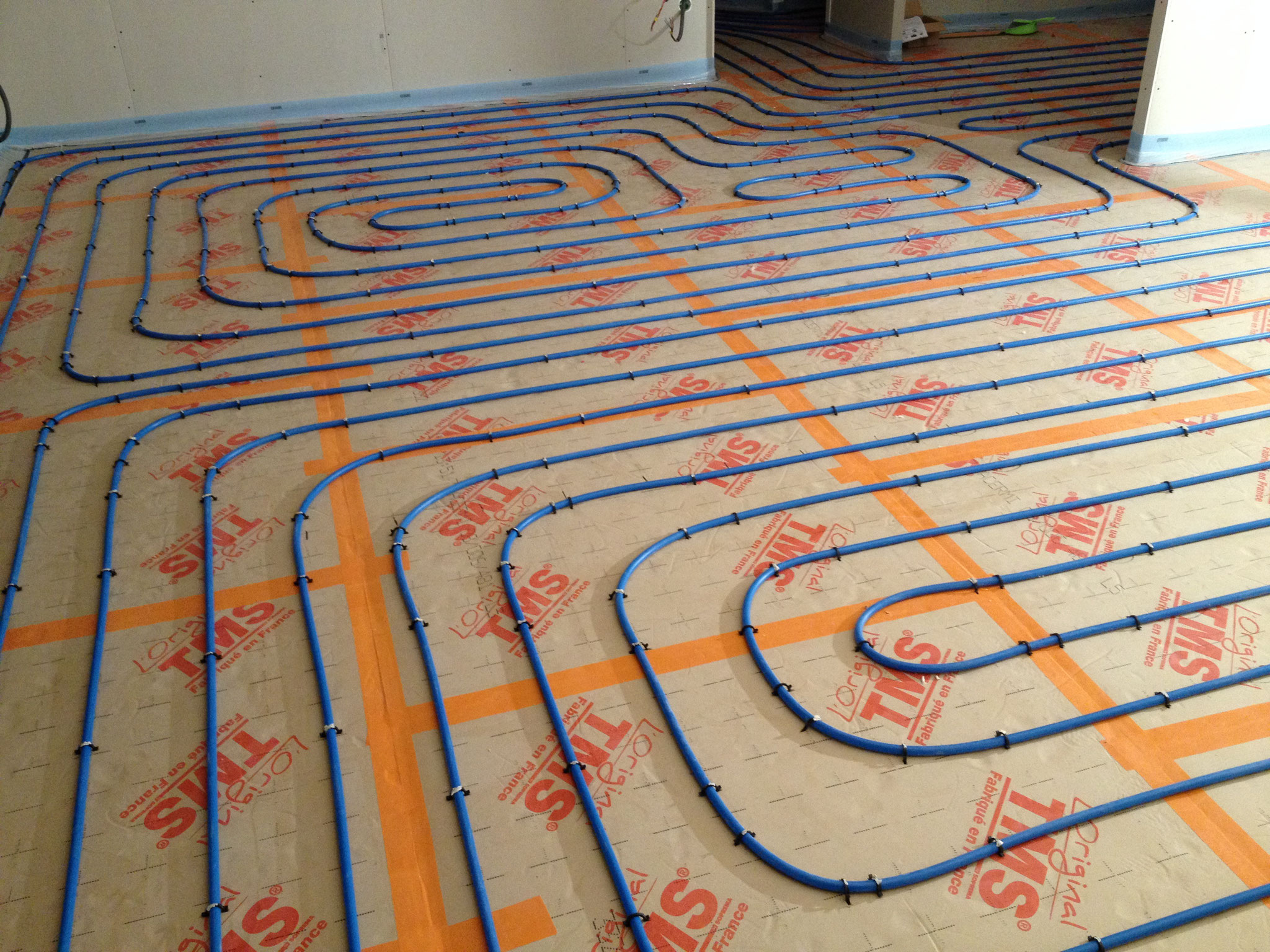 Installation réseau de plancher chauffant