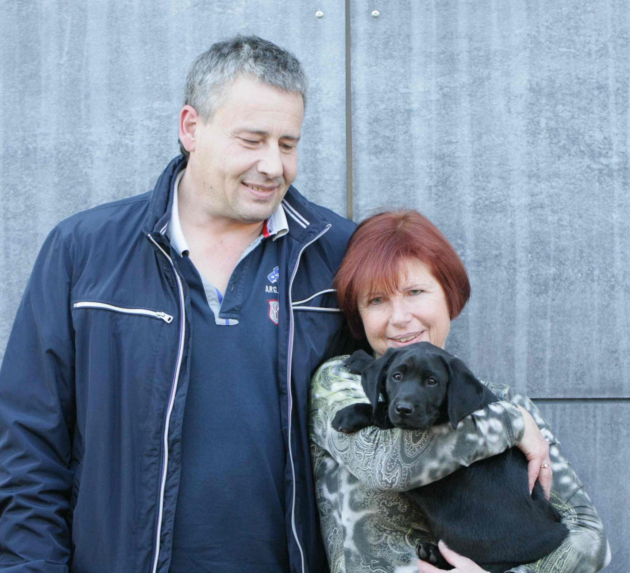 Clockwork Cumberland - Cooper - mit seinen neuen Besitzern Familie Wimmer (Tirol)