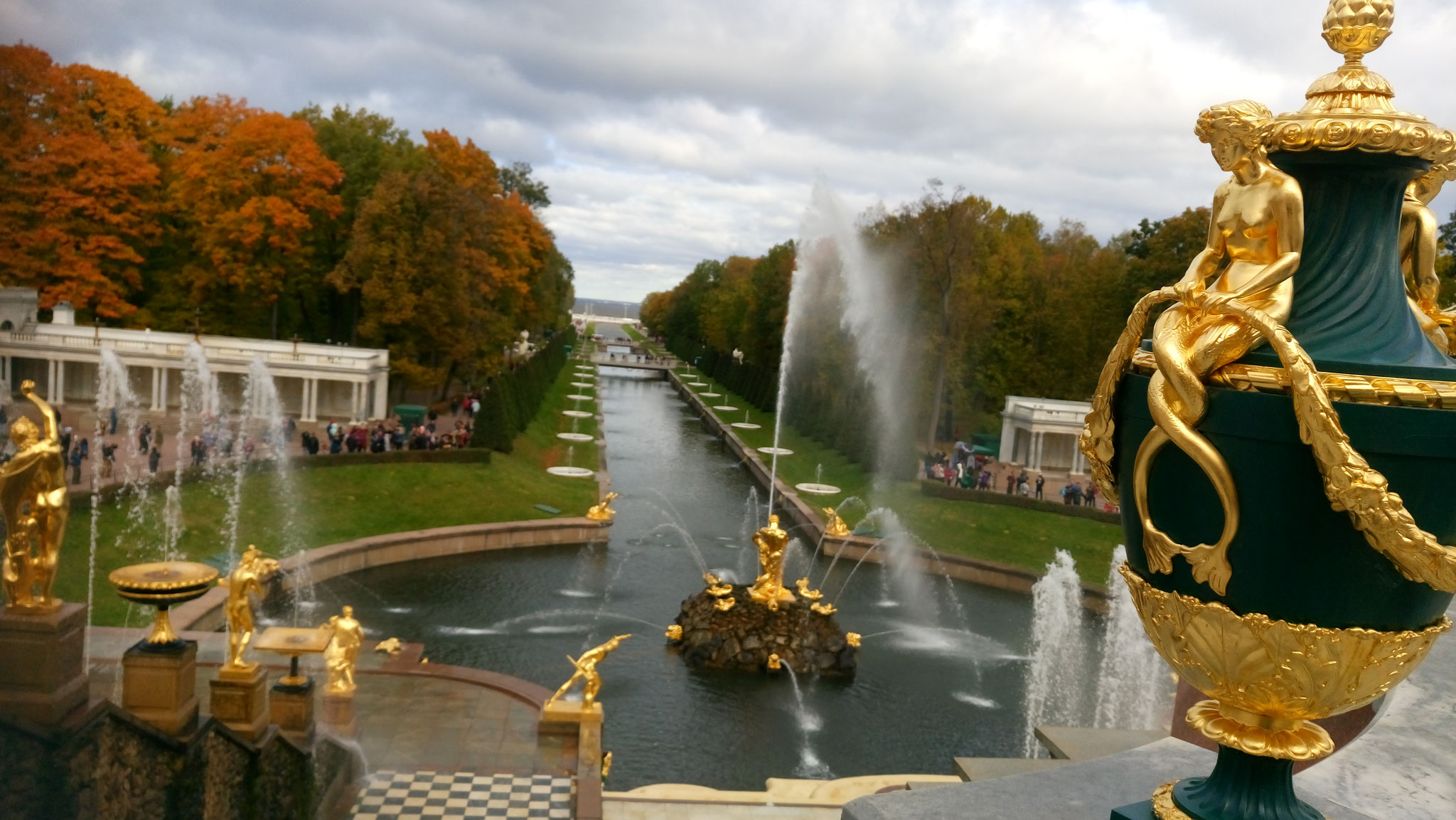 In der Zarenresidenz Peterhof