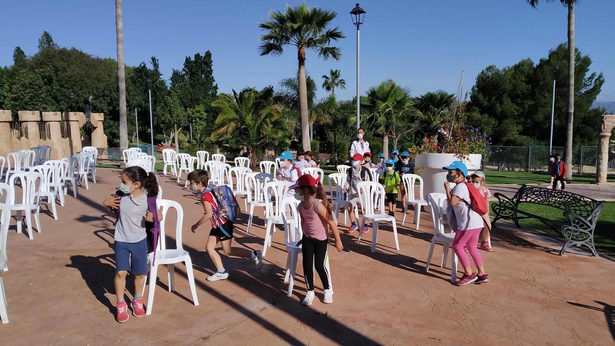 """Comenzamos los cuentacuentos para primaria en el Parque """"La Zambrana"""" con 1º."""