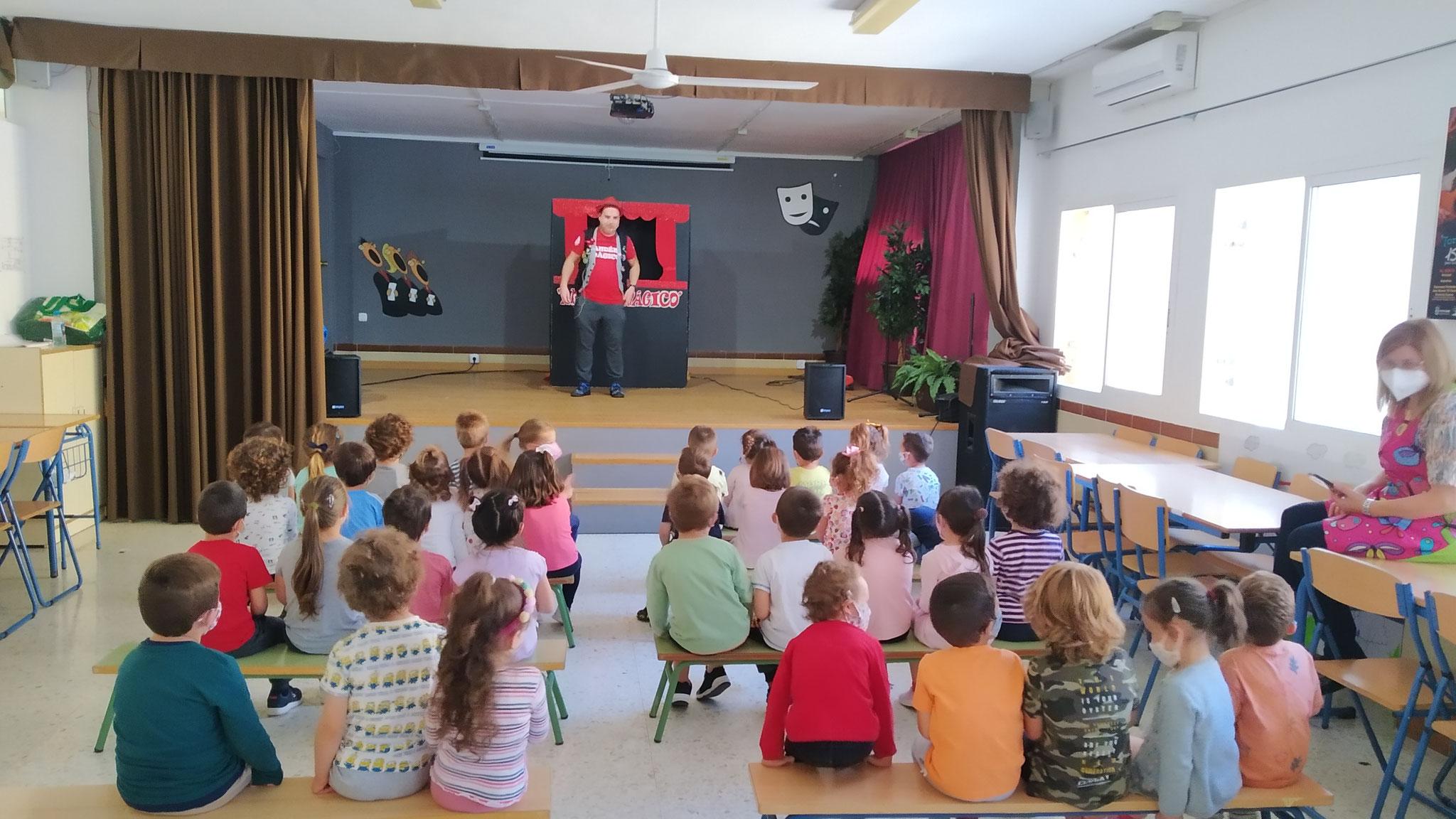 Teatro infantil: Clara y el dragón (3, 4 y 5 años)