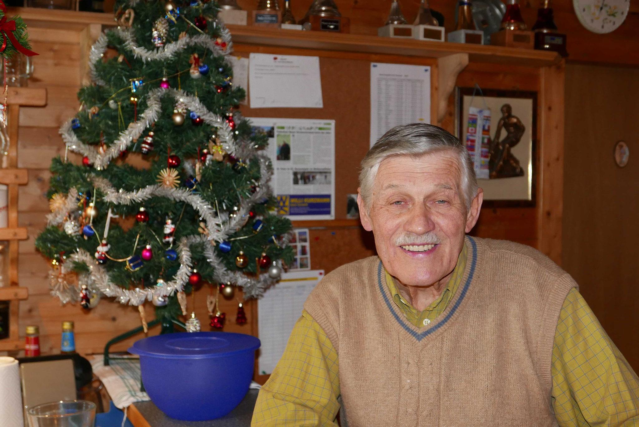 unser Ehrenobmann freut sich schon auf die Weihnachtsfeier