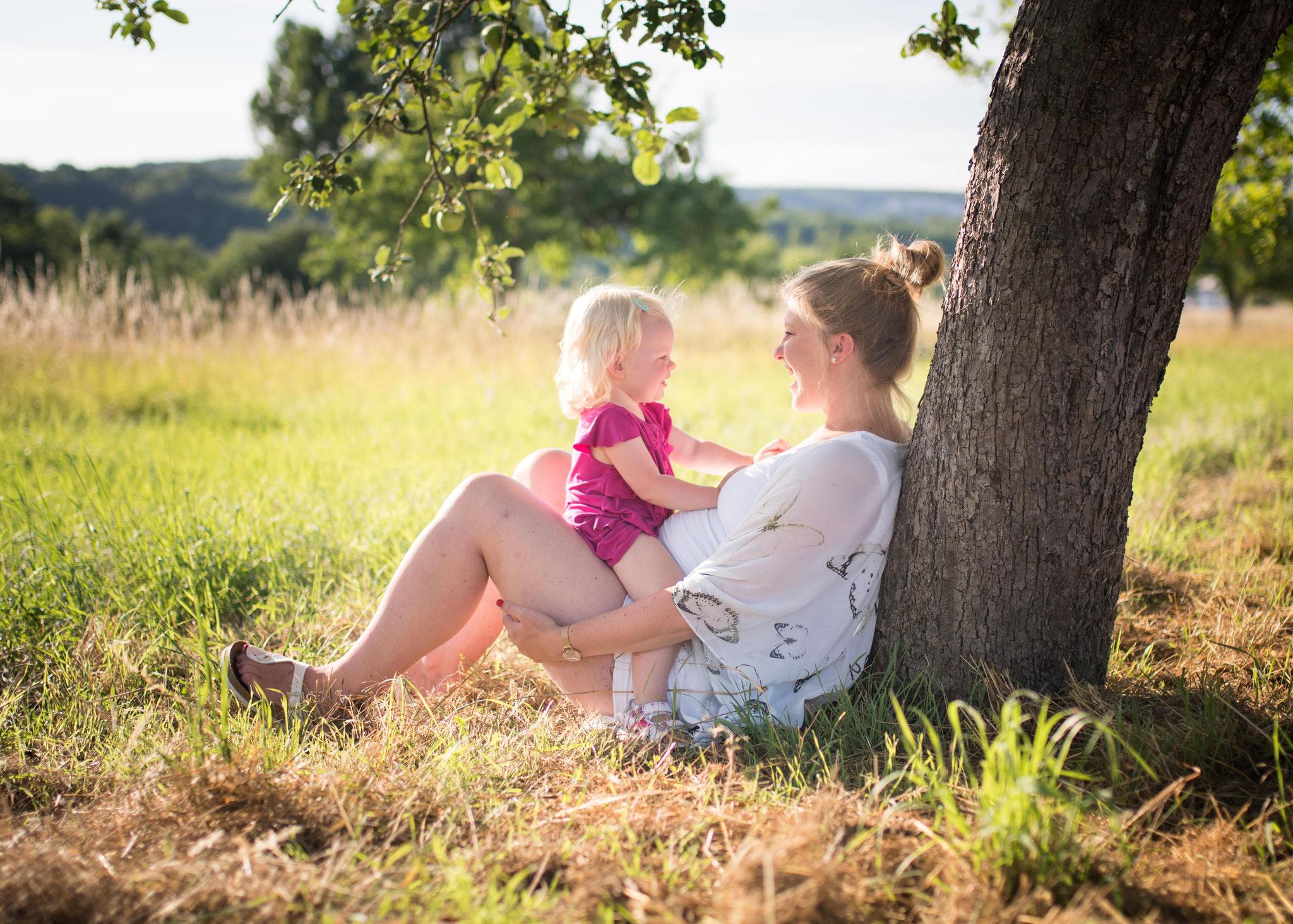 Babybauchbilder draußen Saarland
