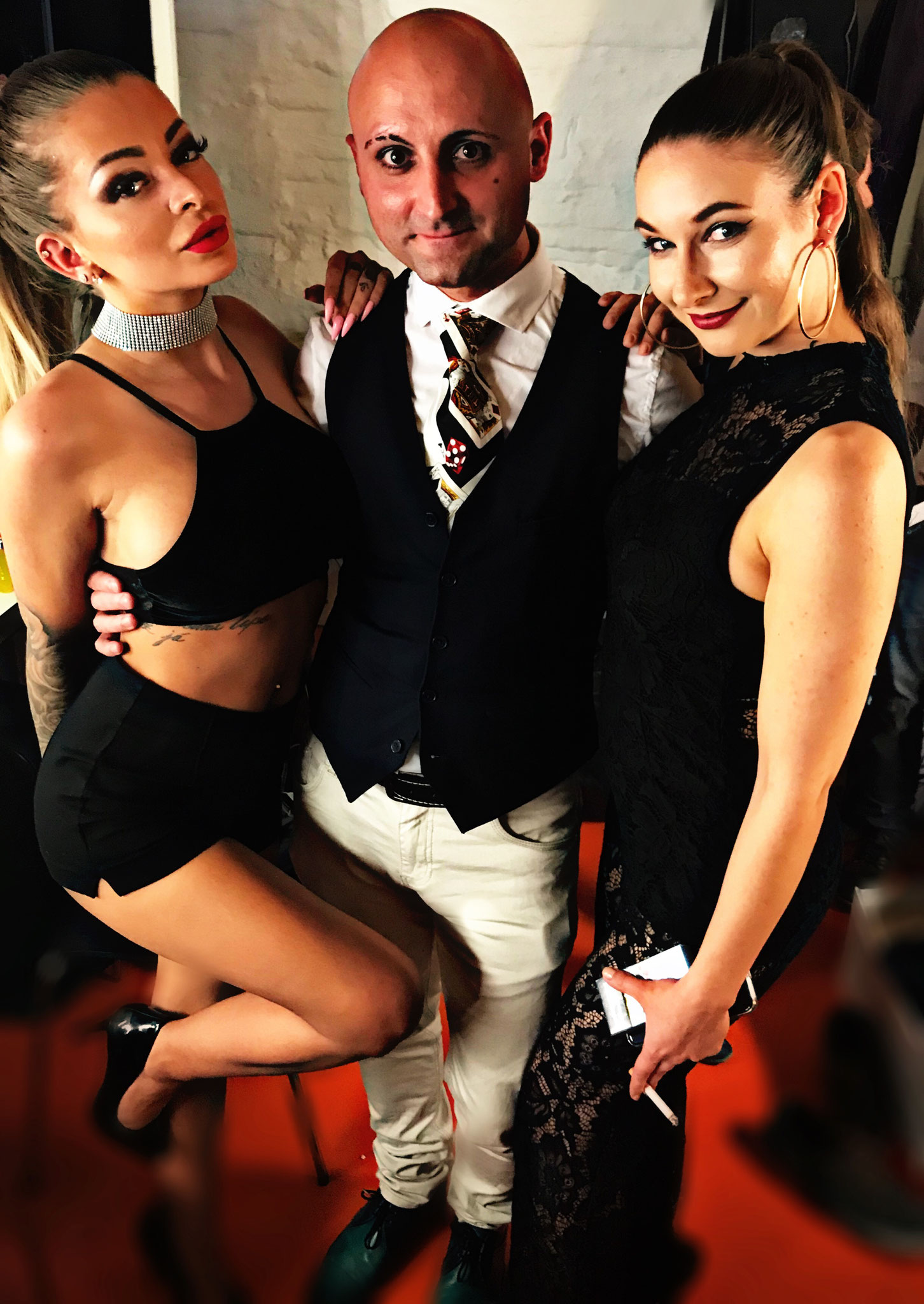 Johnny Diablo - Lina Diamond & Katja Krasavice