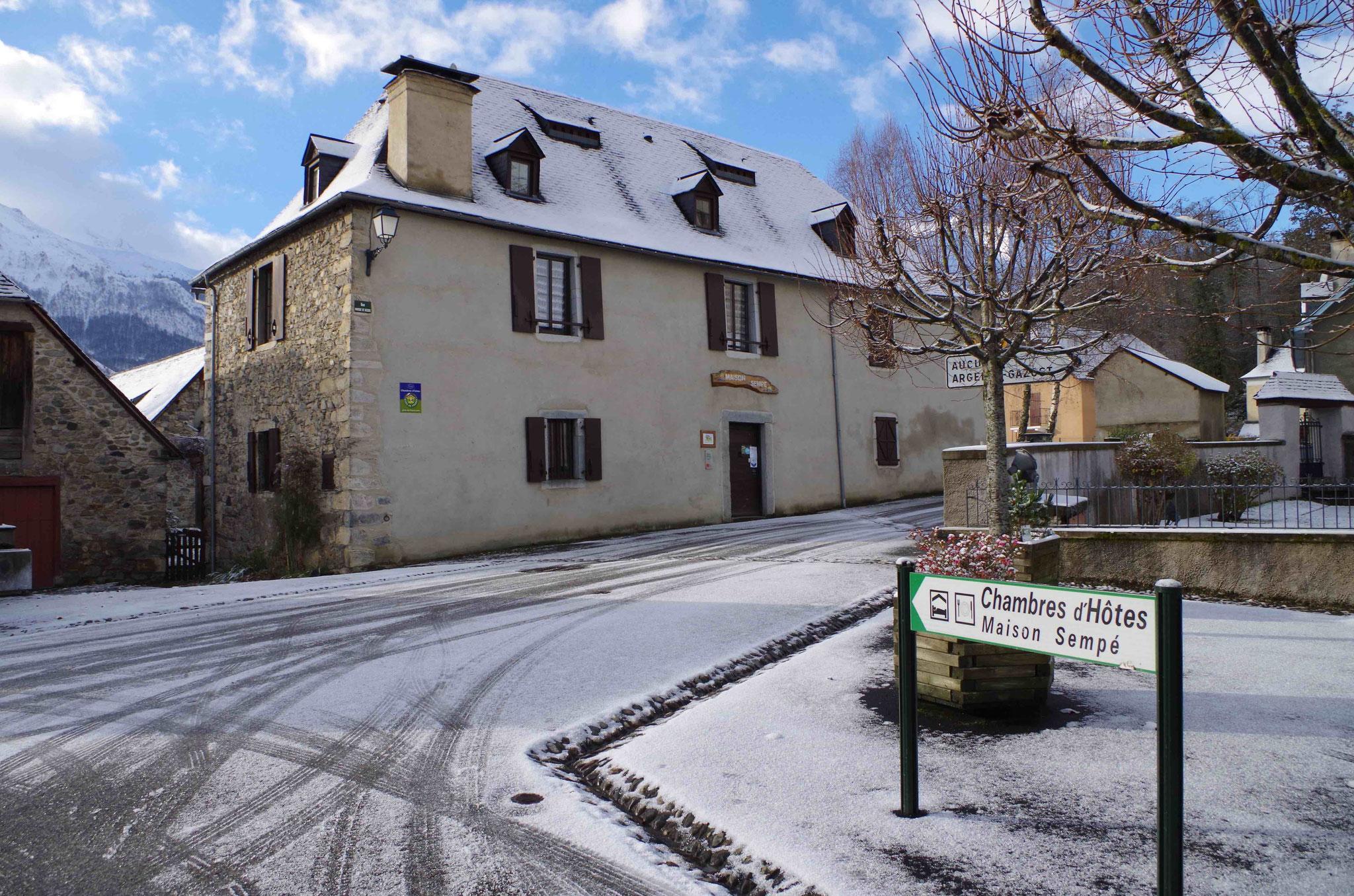 Maison Sempé côté rue- Arrens-Marsous
