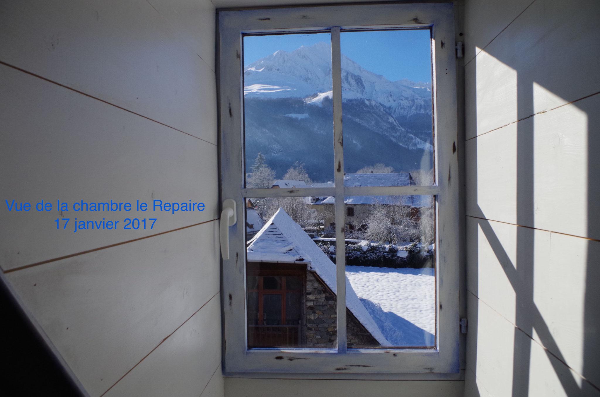 Vue sur le Pic d'Arrens côté jardin du Repaire - Maison Sempé Val d'Azun