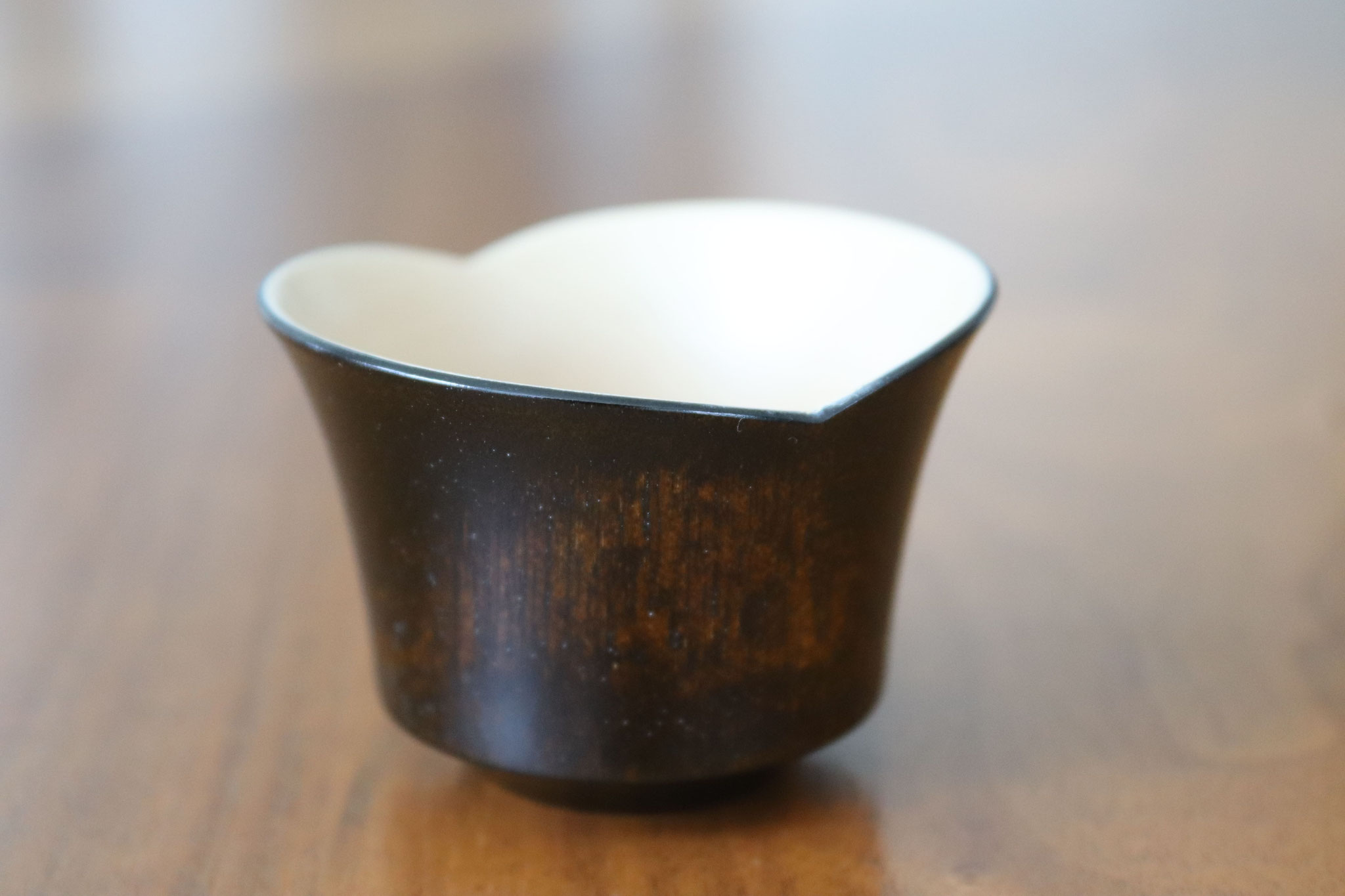 Smiling bean sake cup black