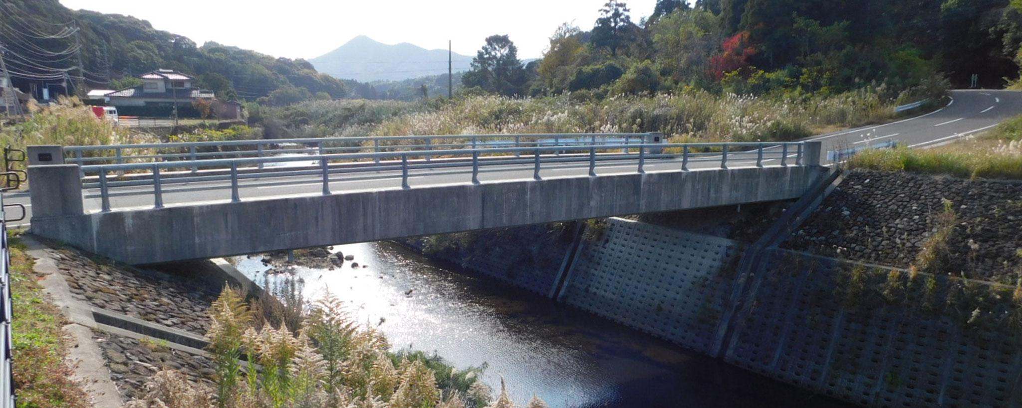 花渡川の滑川橋
