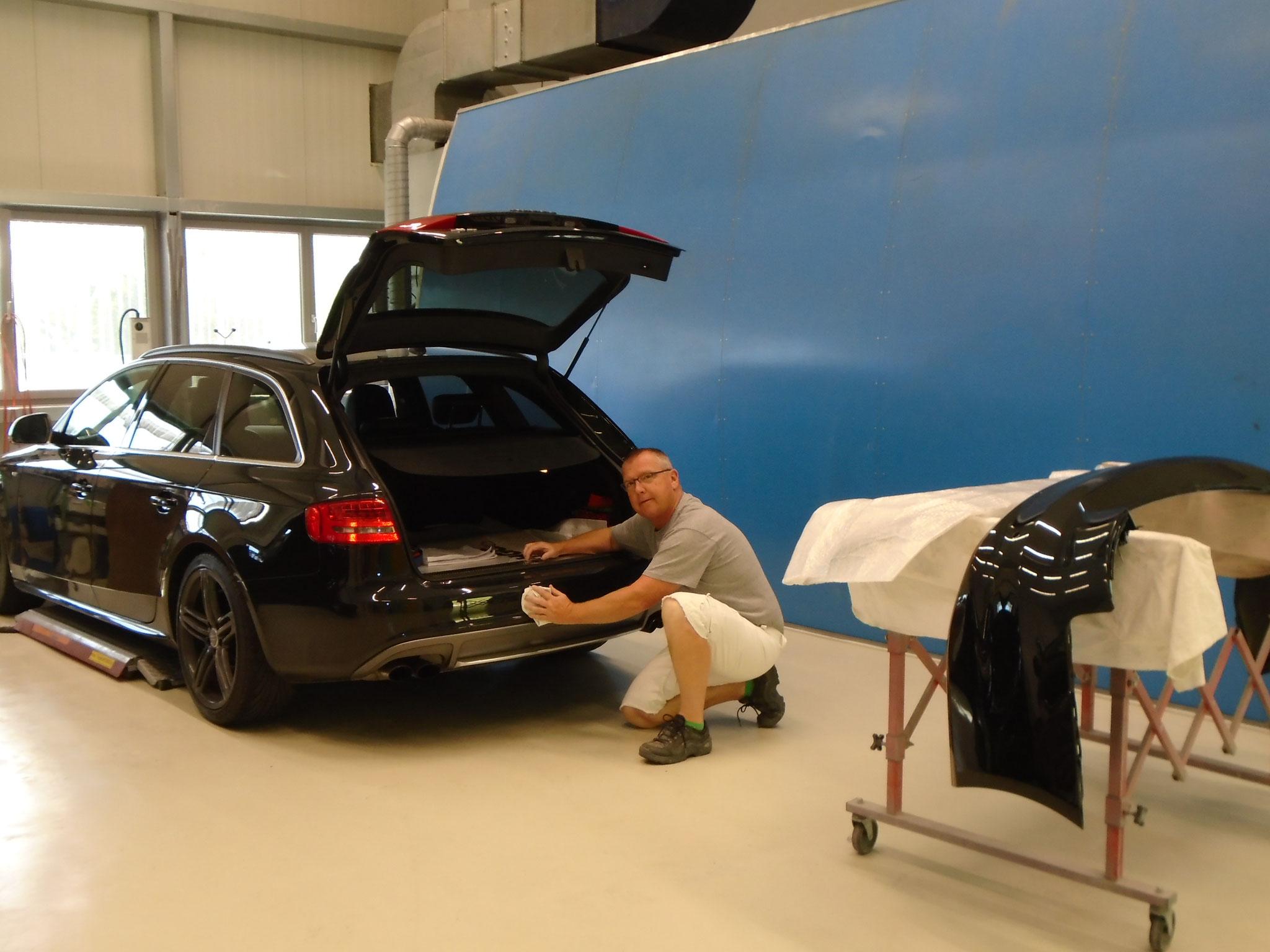 Thomas Hasler bringt die Fahrzeuge auf Hochglanz