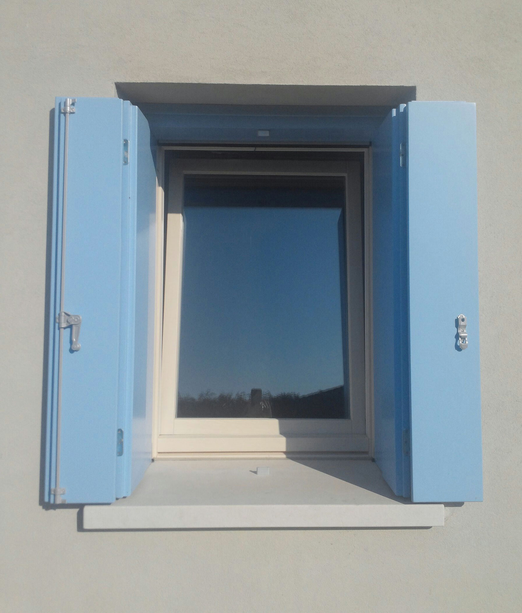 Finestre e scuri falegnameria ert serramentipage - Finestre monoblocco in legno ...