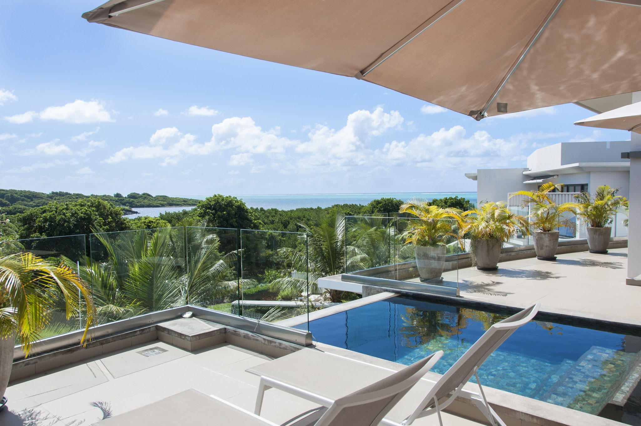 RESALE EXCEPTIONAL PROPERTY SEA VIEW IN THE WORLD - PENTHOUSE IRS AZURI IN MAURITIUS ISLAND By JINVESTY