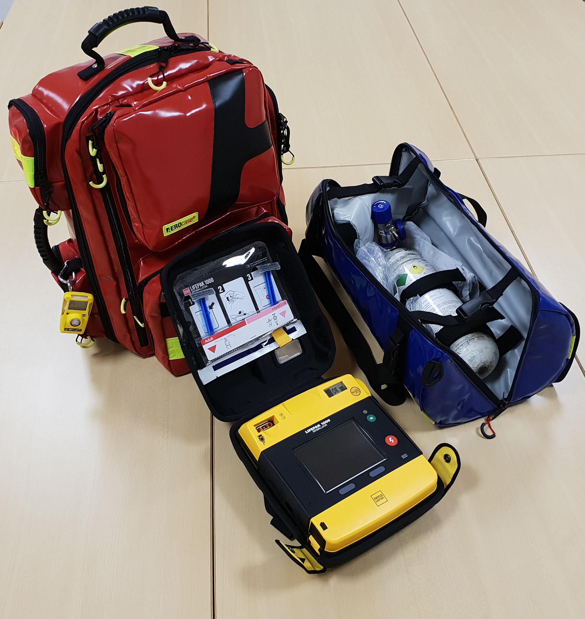Notfallrucksack, AED und Oxybag