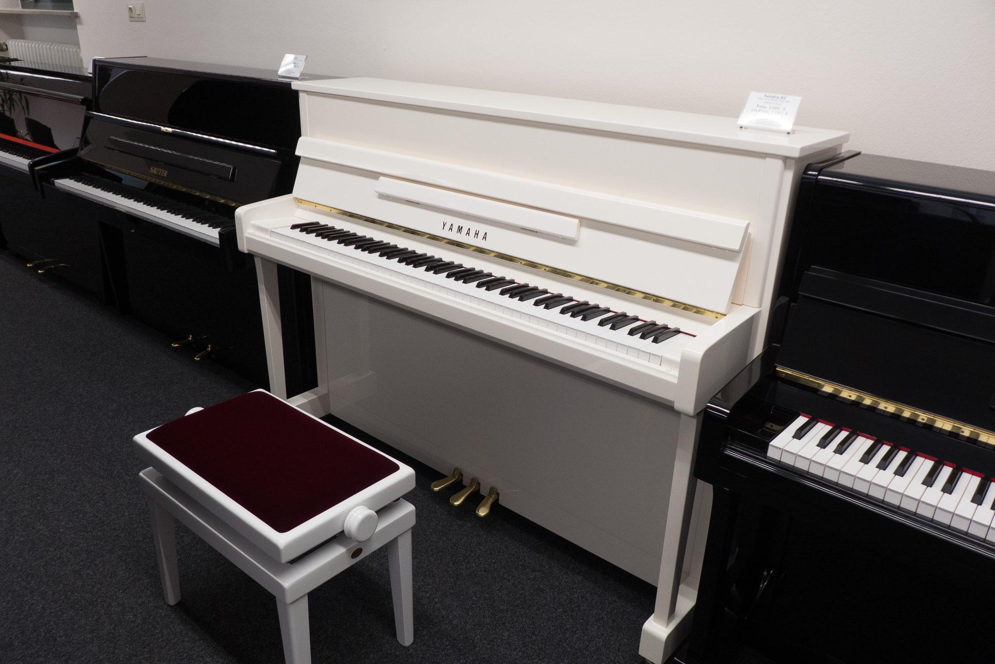 yamaha b2 weiss martin widmann klaviere. Black Bedroom Furniture Sets. Home Design Ideas