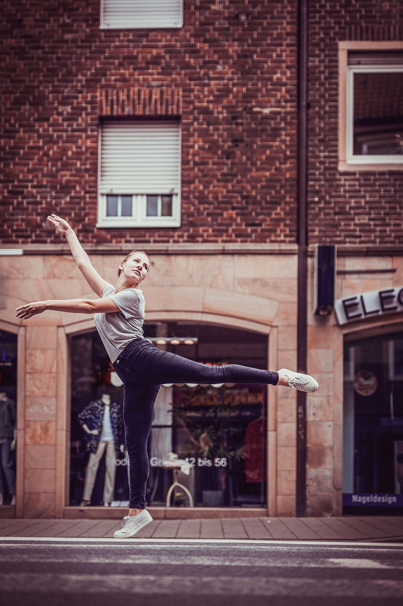 Johanna: Bailandos