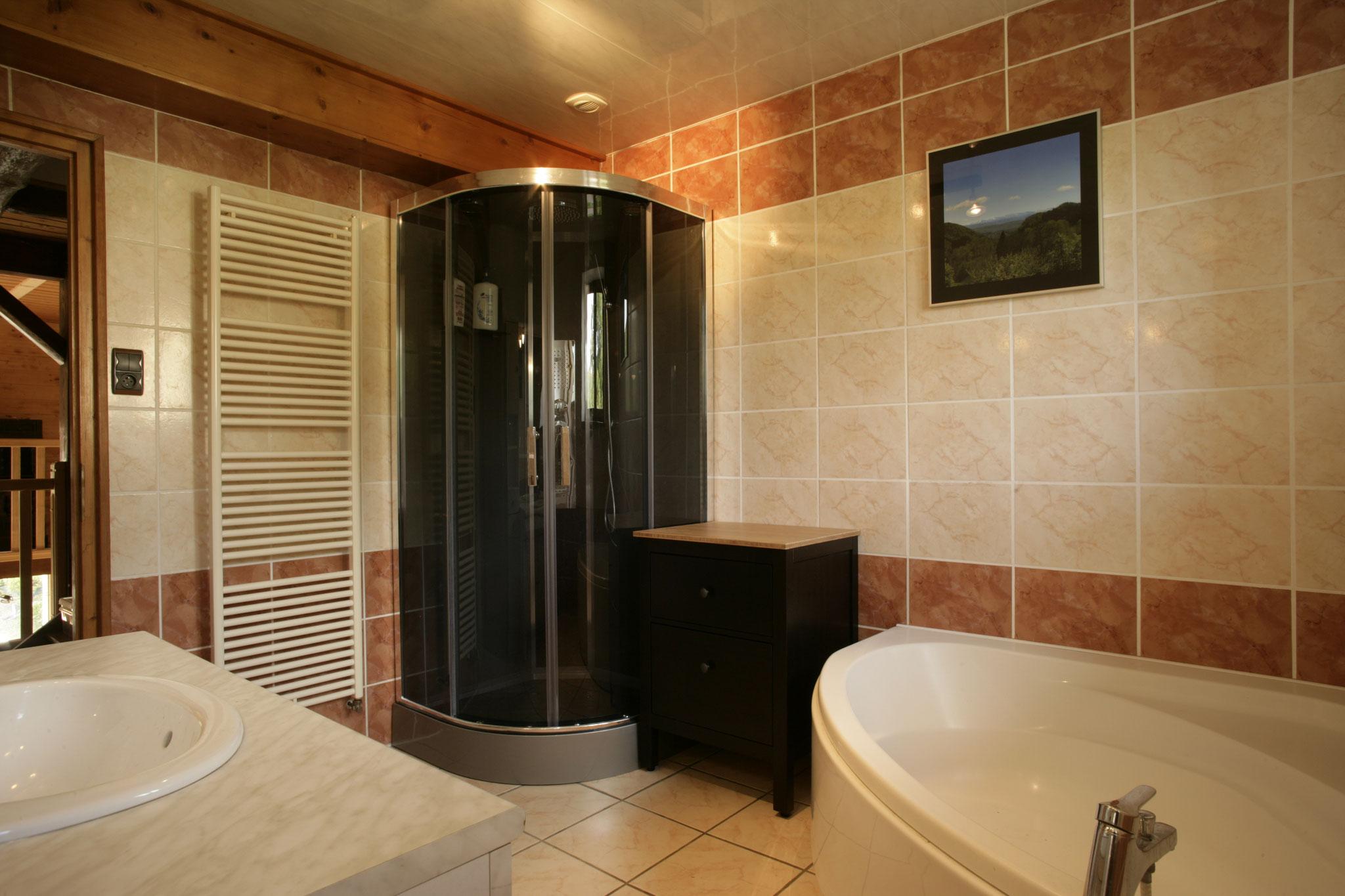1er Etage 1ère Salle de bain